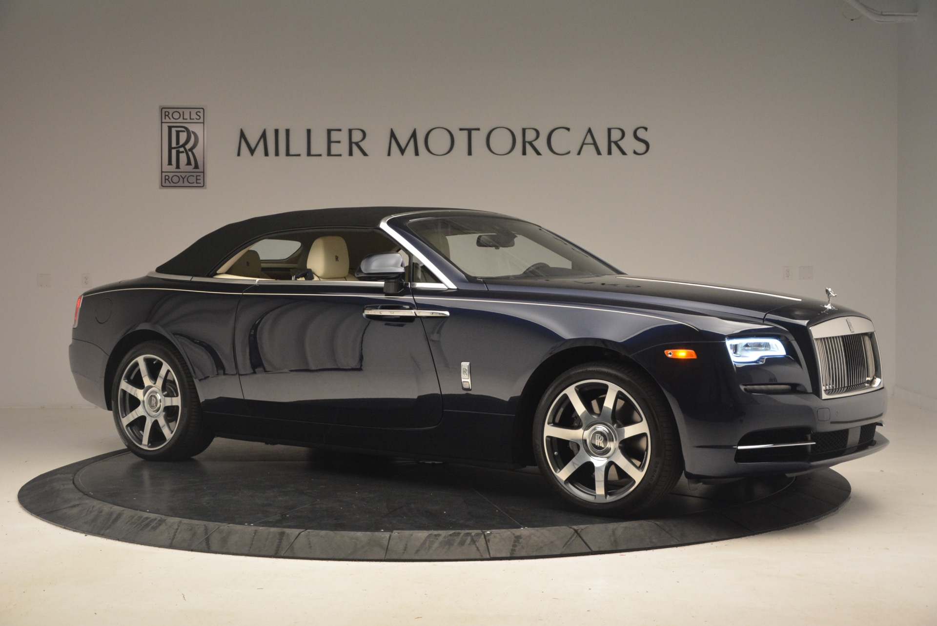 Used 2017 Rolls-Royce Dawn  For Sale In Greenwich, CT 1138_p23