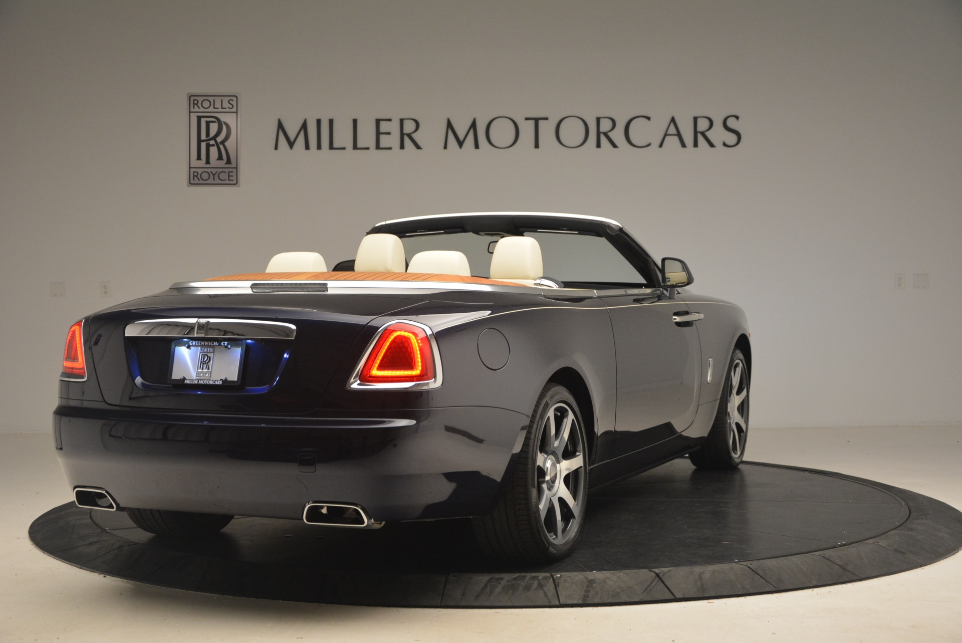 Used 2017 Rolls-Royce Dawn  For Sale In Greenwich, CT 1138_p8