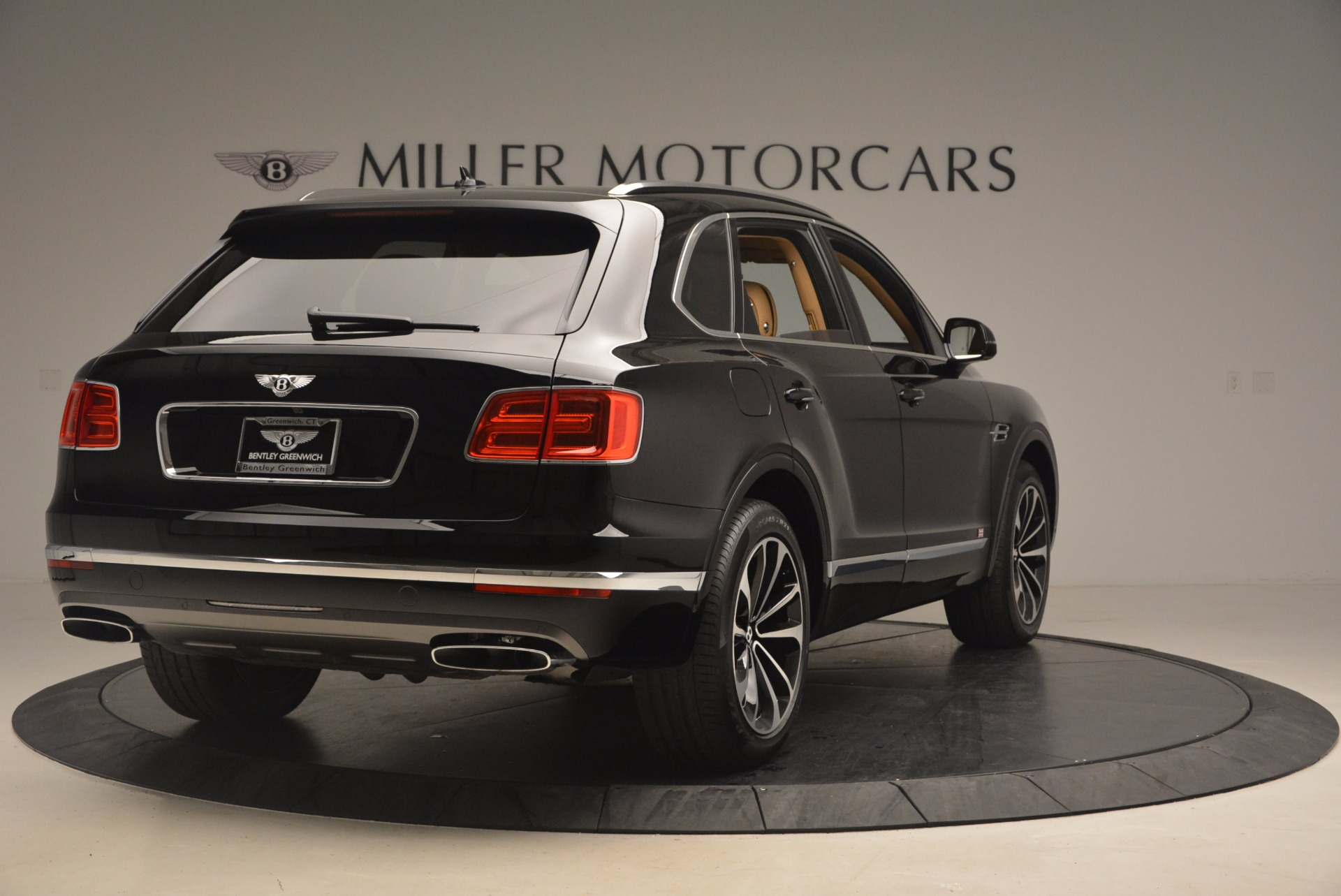 Used 2017 Bentley Bentayga  For Sale In Greenwich, CT 1139_p7