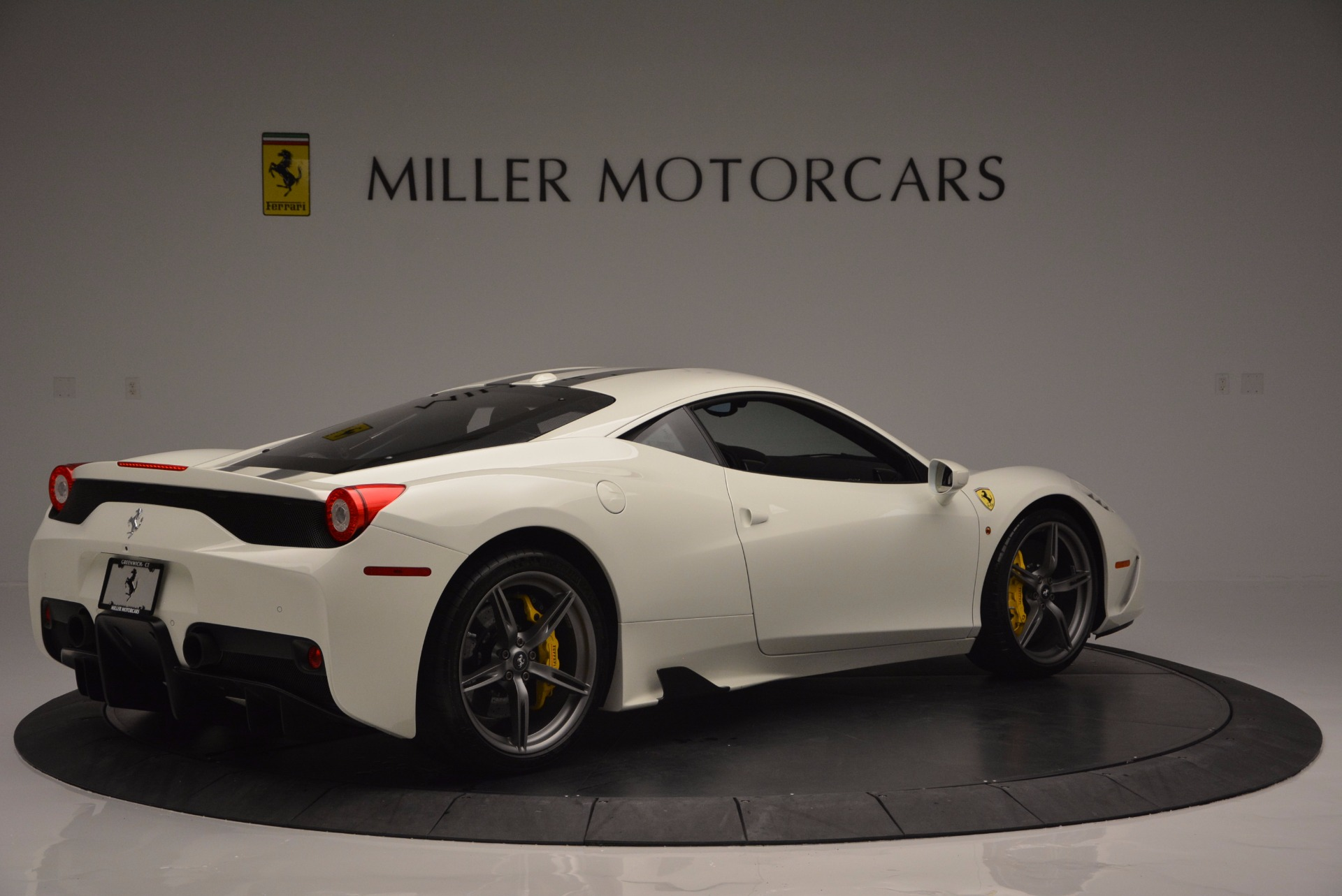 Used 2015 Ferrari 458 Speciale  For Sale In Greenwich, CT 1147_p9