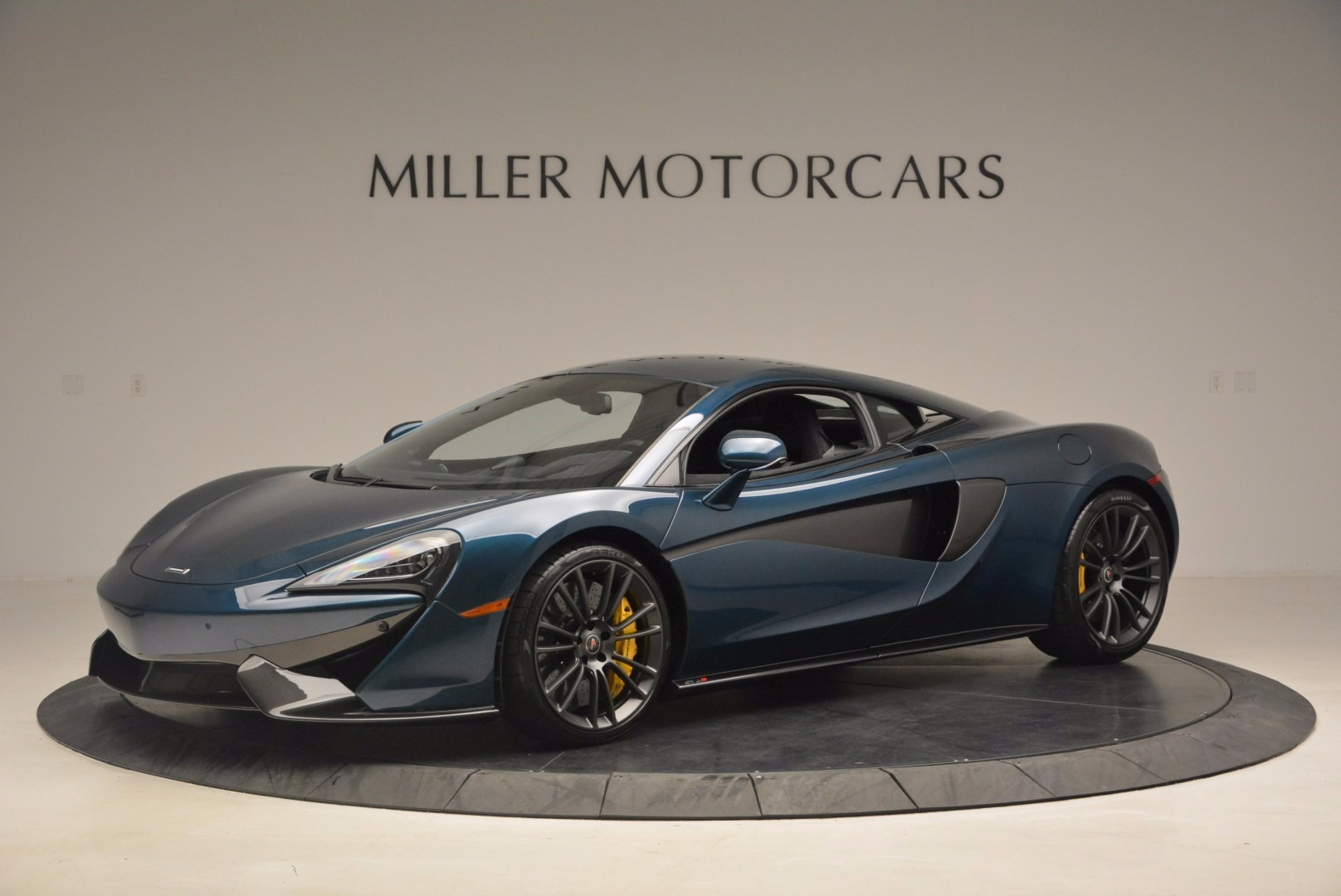 New 2017 McLaren 570S  For Sale In Greenwich, CT 1148_p2
