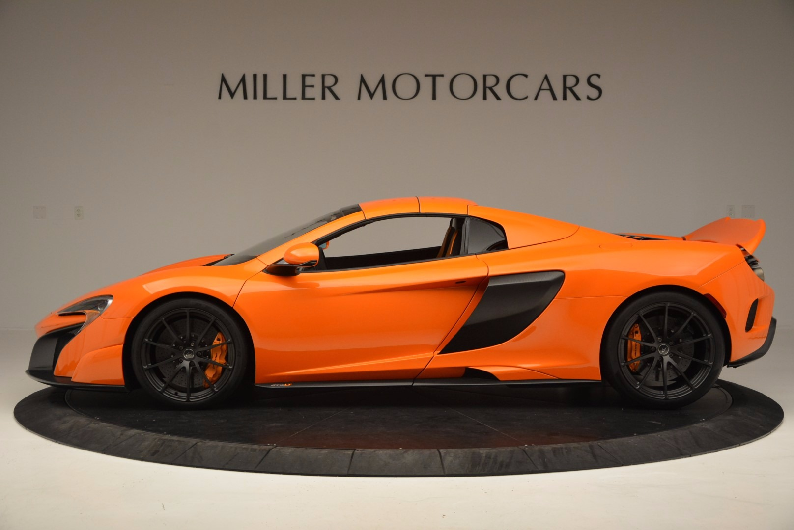 Used 2016 McLaren 675LT Spider Convertible For Sale In Greenwich, CT 1150_p15