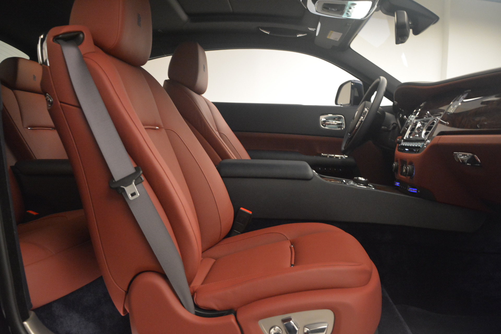 Used 2016 Rolls-Royce Wraith  For Sale In Greenwich, CT 1170_p29