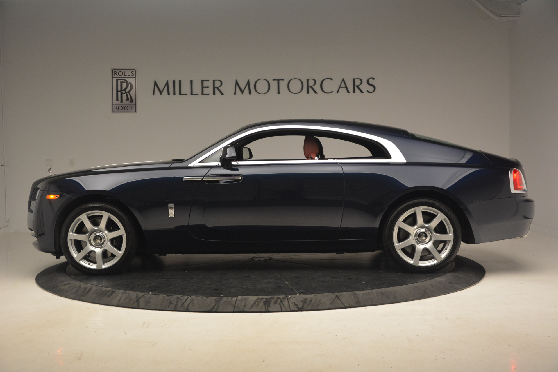 Used 2016 Rolls-Royce Wraith  For Sale In Greenwich, CT 1170_p3
