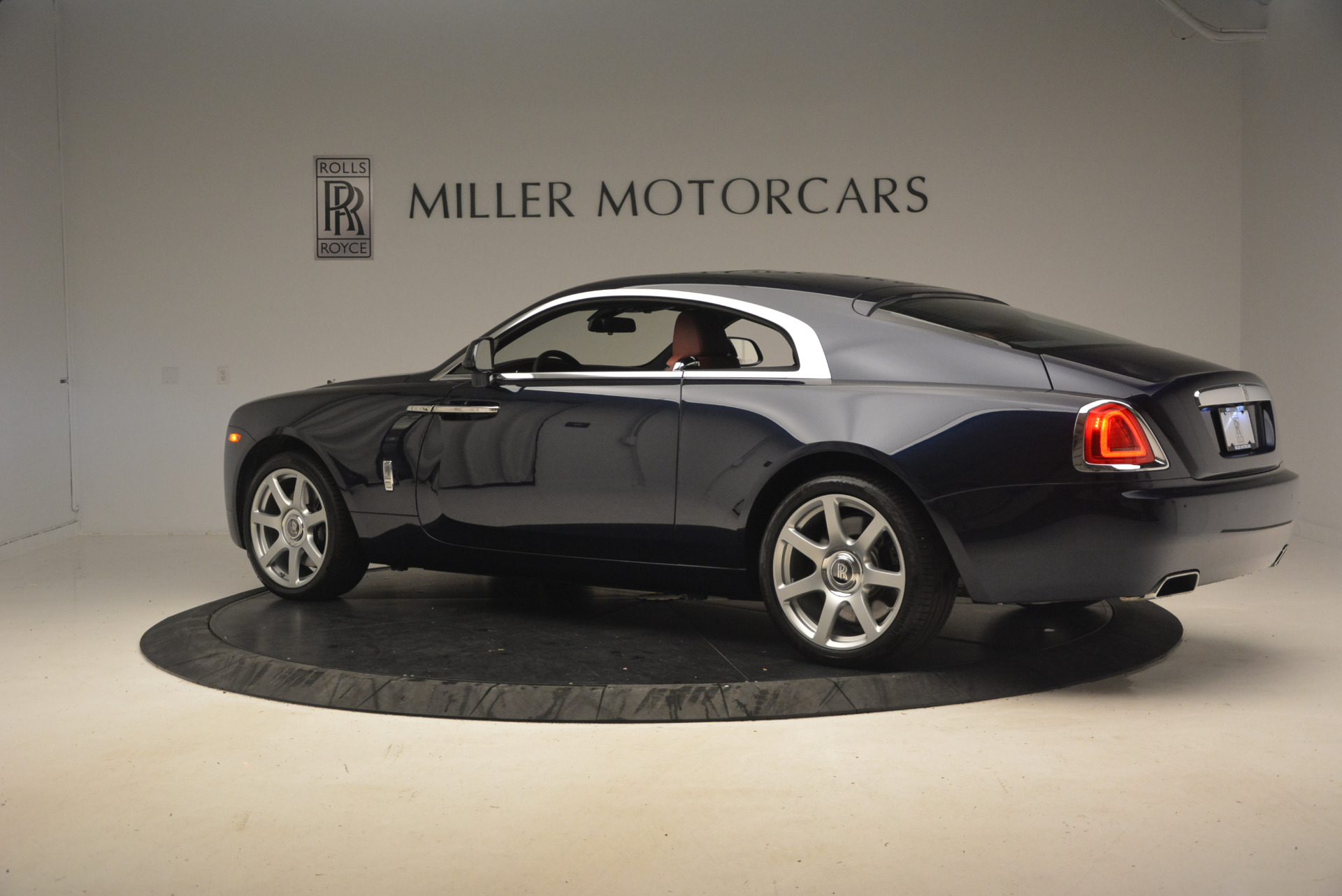 Used 2016 Rolls-Royce Wraith  For Sale In Greenwich, CT 1170_p4