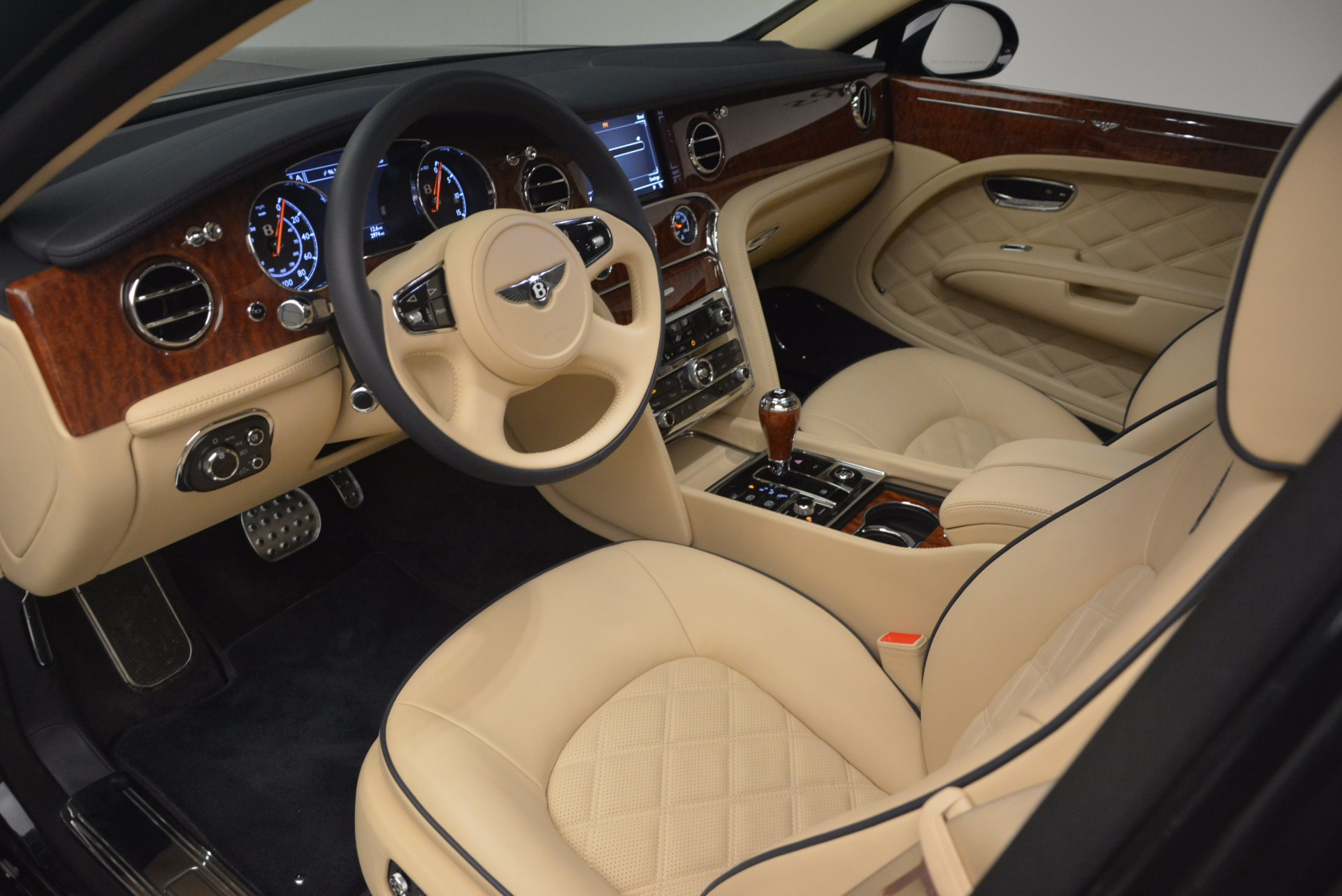Used 2016 Bentley Mulsanne  For Sale In Greenwich, CT 1173_p24