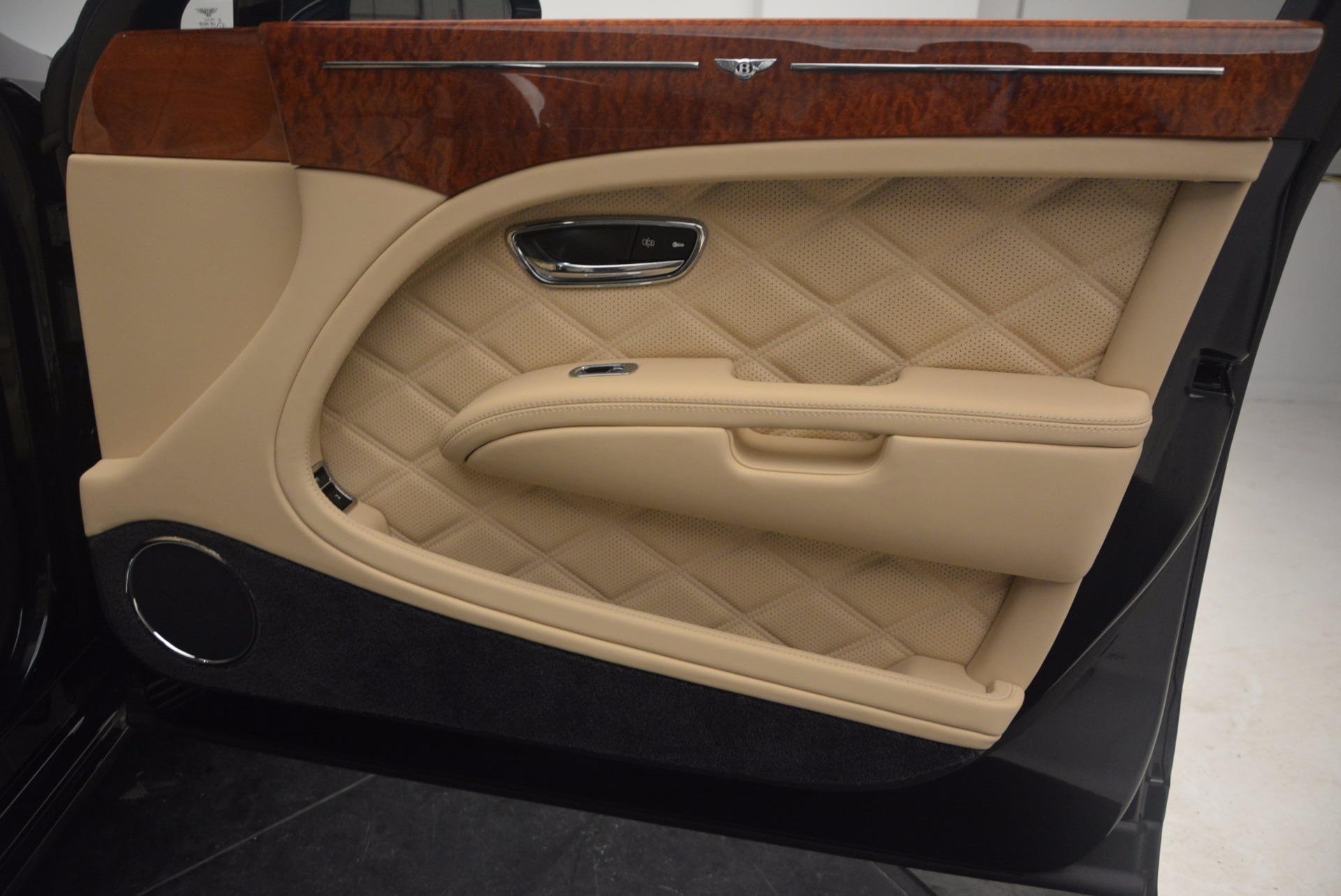 Used 2016 Bentley Mulsanne  For Sale In Greenwich, CT 1173_p35