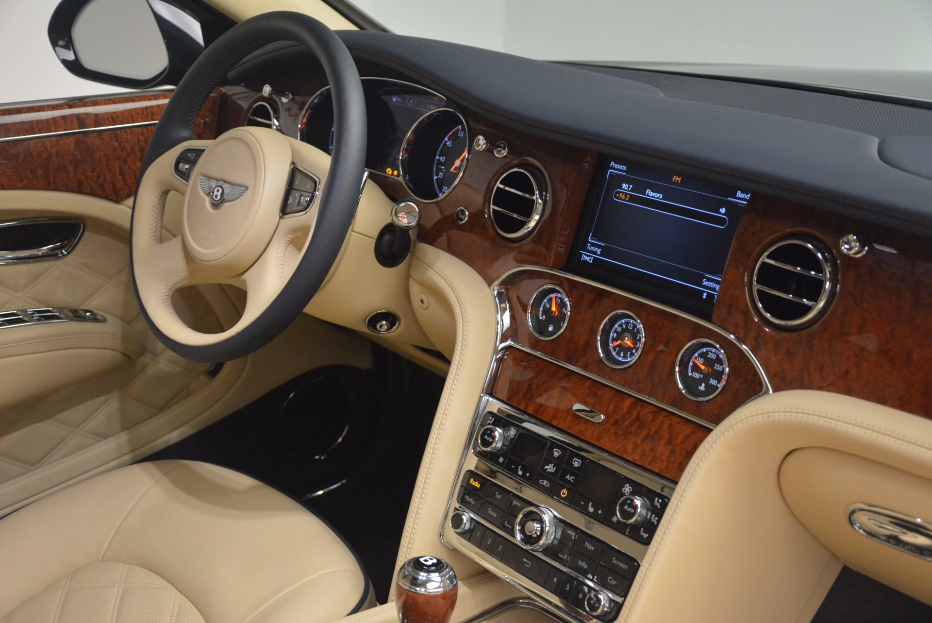 Used 2016 Bentley Mulsanne  For Sale In Greenwich, CT 1173_p39