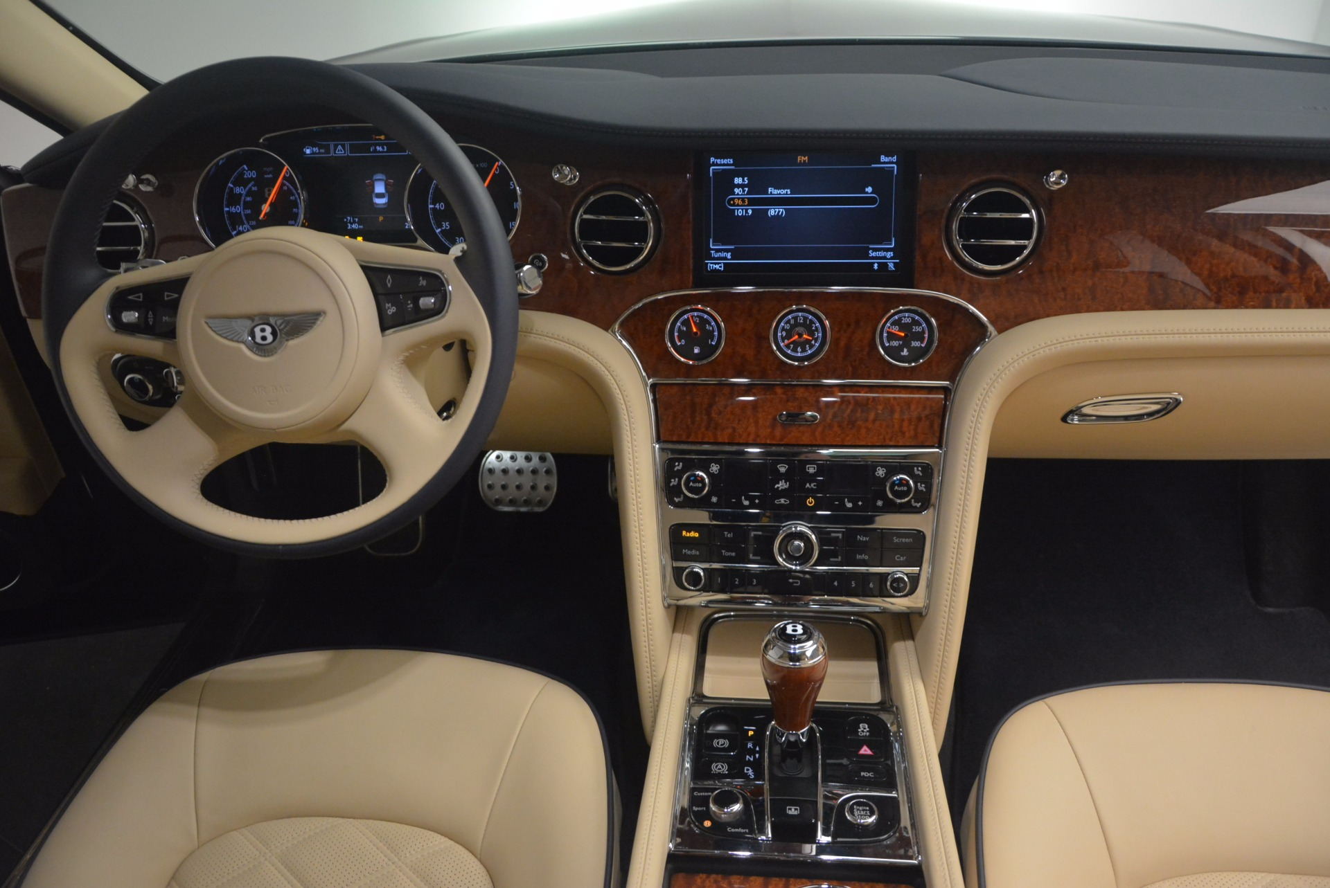 Used 2016 Bentley Mulsanne  For Sale In Greenwich, CT 1173_p44