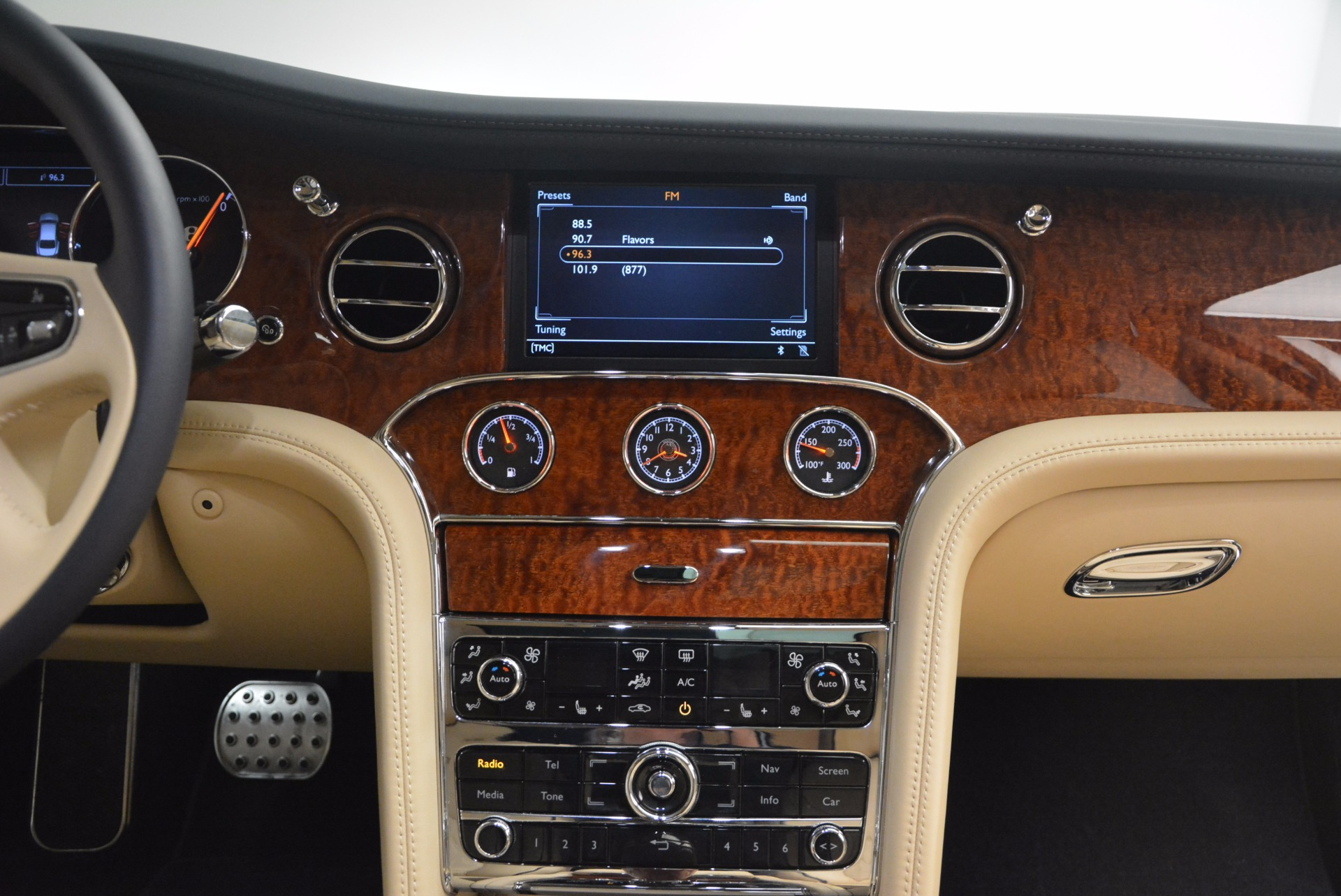 Used 2016 Bentley Mulsanne  For Sale In Greenwich, CT 1173_p45