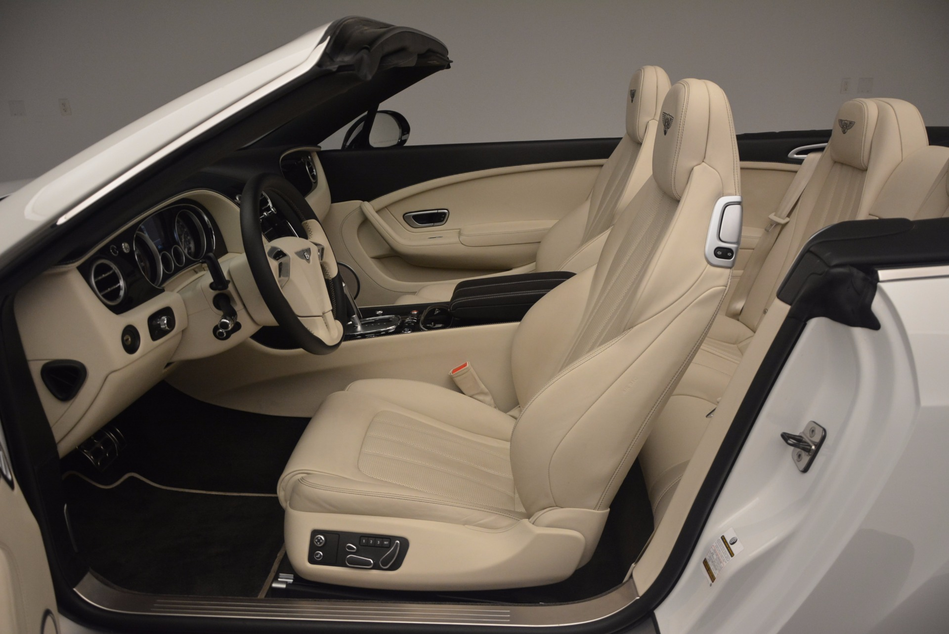 Used 2015 Bentley Continental GT V8 S For Sale In Greenwich, CT 1175_p35