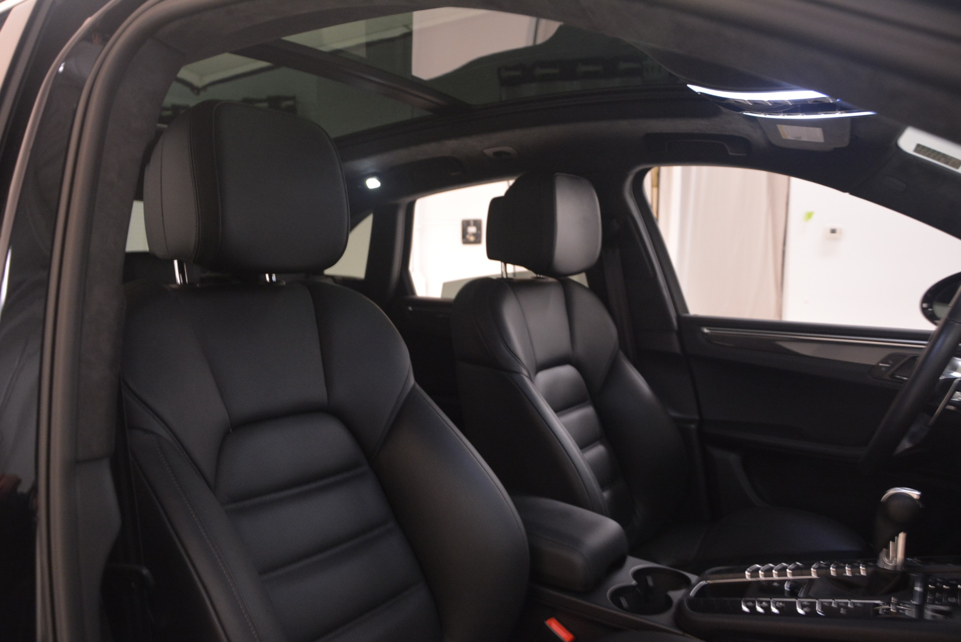 Used 2016 Porsche Macan Turbo For Sale In Greenwich, CT 1177_p31
