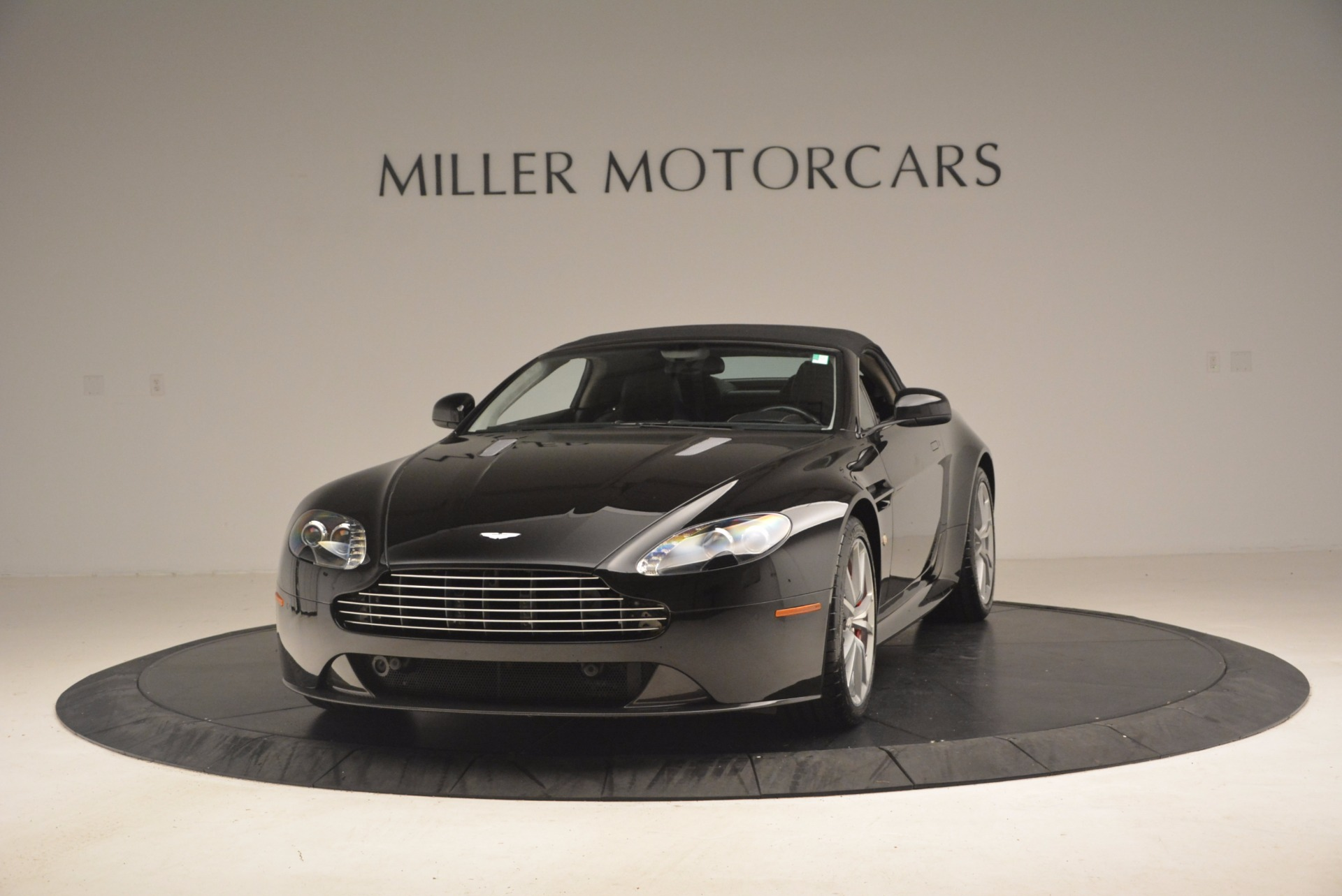 Used 2012 Aston Martin V8 Vantage S Roadster For Sale In Greenwich, CT 1181_p13