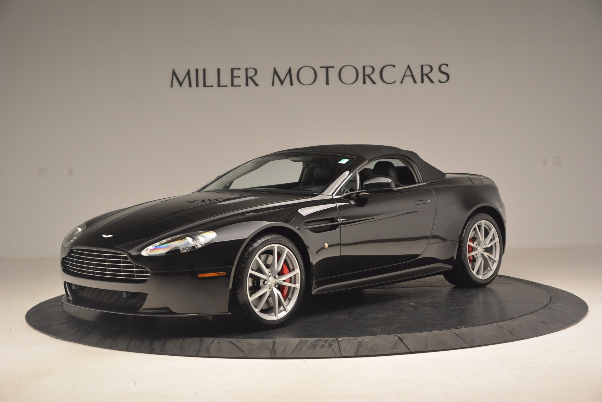 Used 2012 Aston Martin V8 Vantage S Roadster For Sale In Greenwich, CT 1181_p14