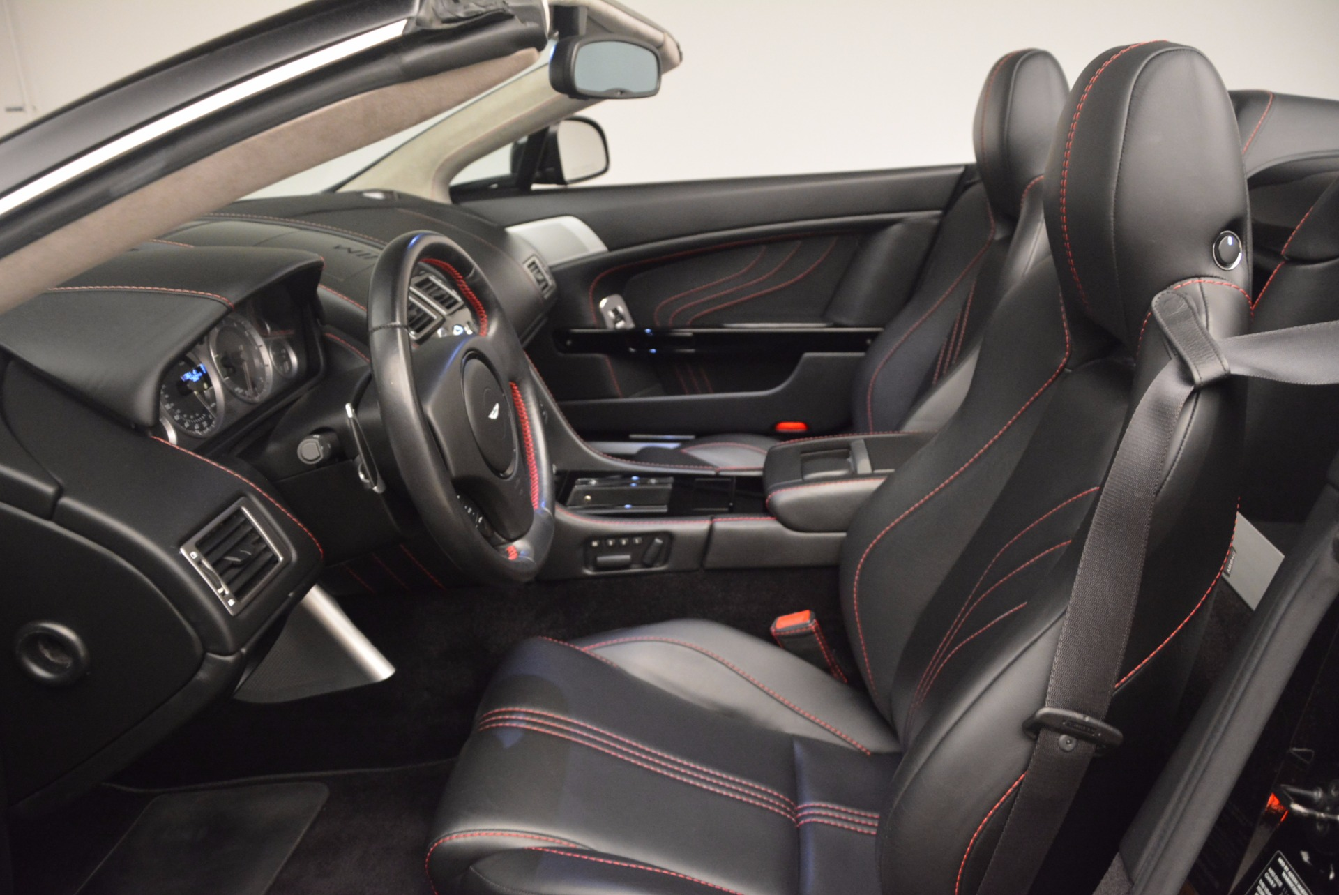 Used 2012 Aston Martin V8 Vantage S Roadster For Sale In Greenwich, CT 1181_p25