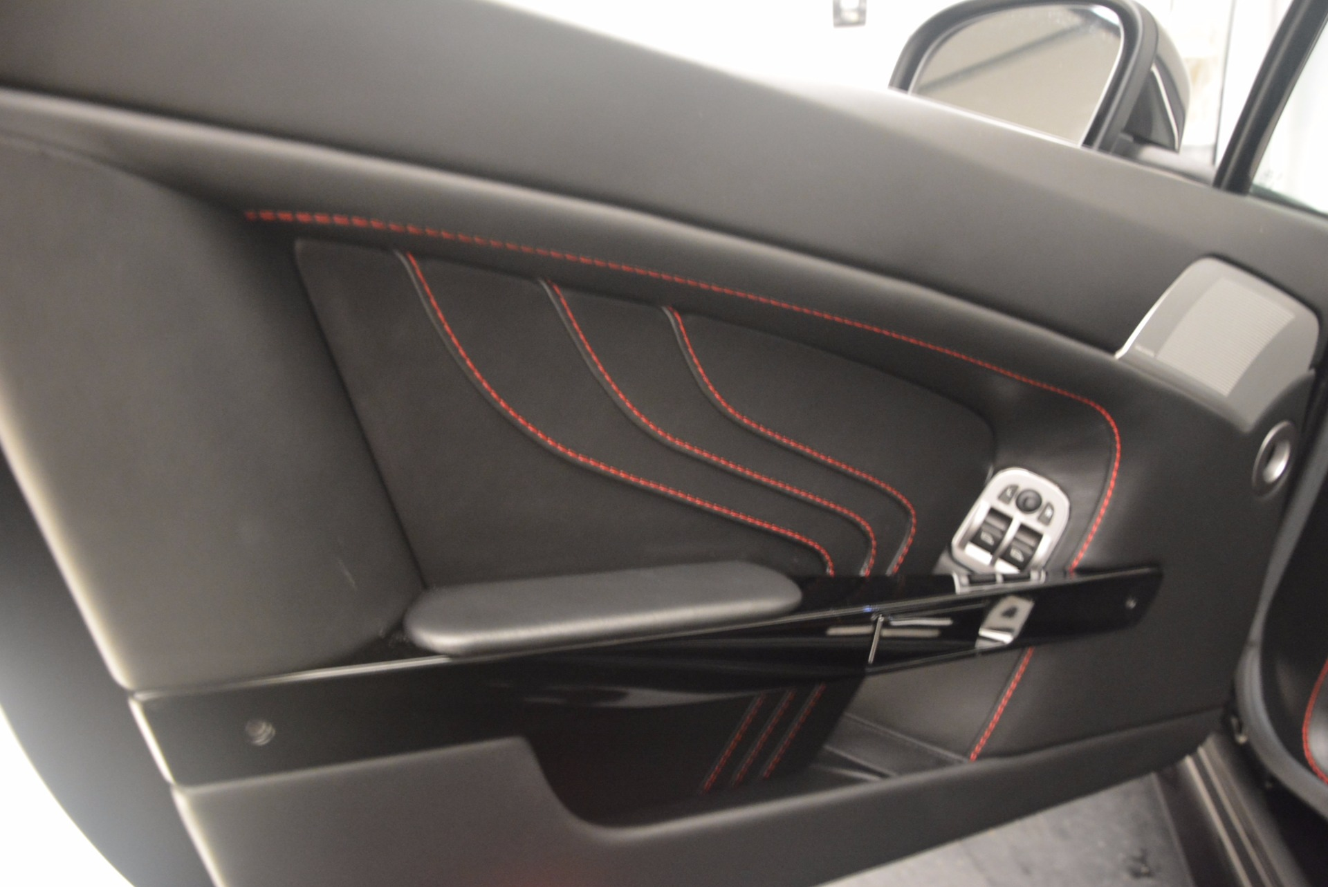 Used 2012 Aston Martin V8 Vantage S Roadster For Sale In Greenwich, CT 1181_p27