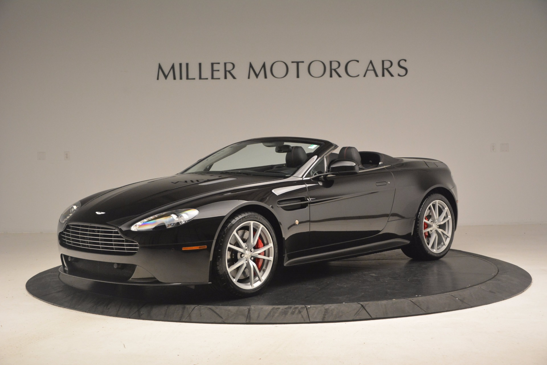 Used 2012 Aston Martin V8 Vantage S Roadster For Sale In Greenwich, CT 1181_p2