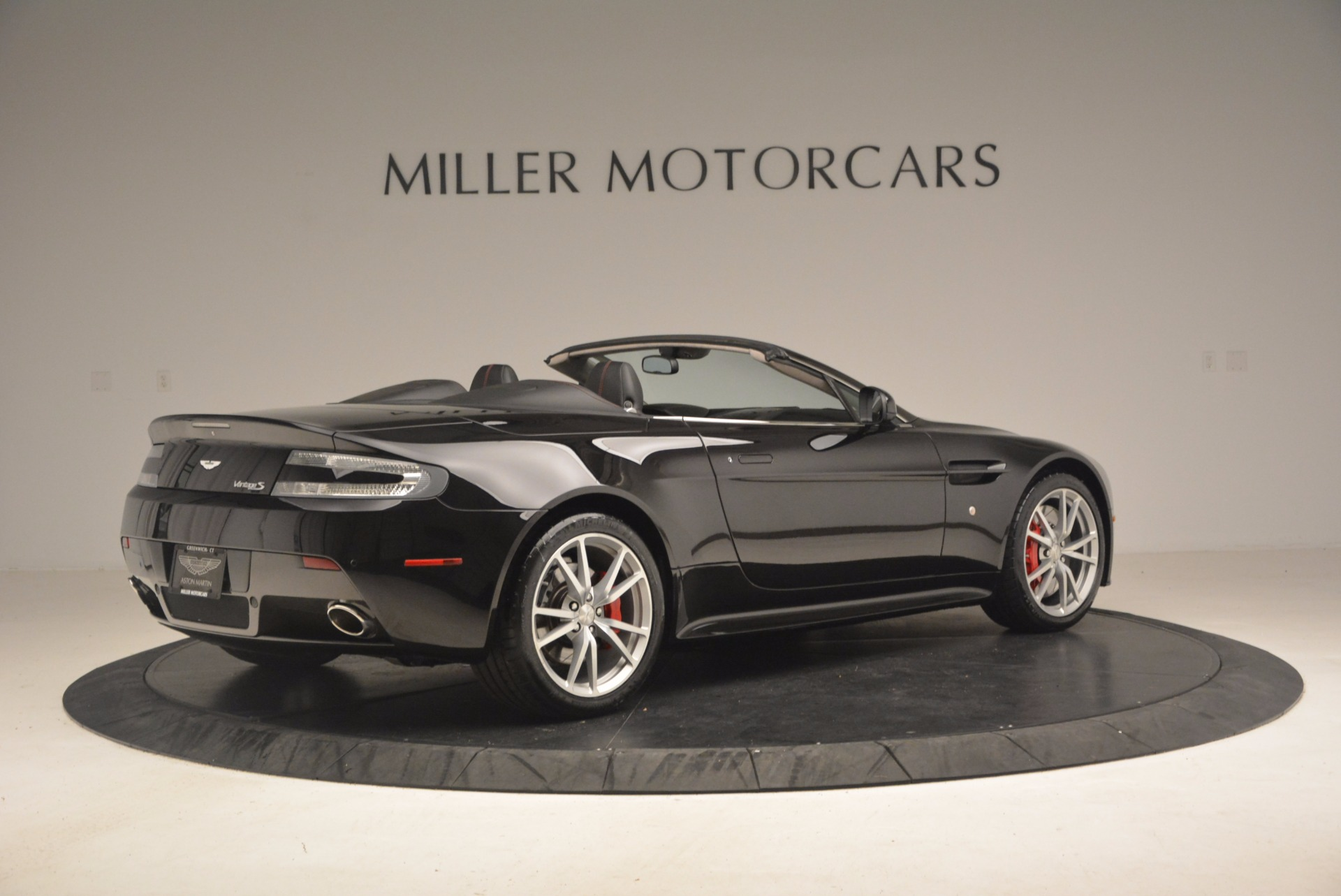 Used 2012 Aston Martin V8 Vantage S Roadster For Sale In Greenwich, CT 1181_p8