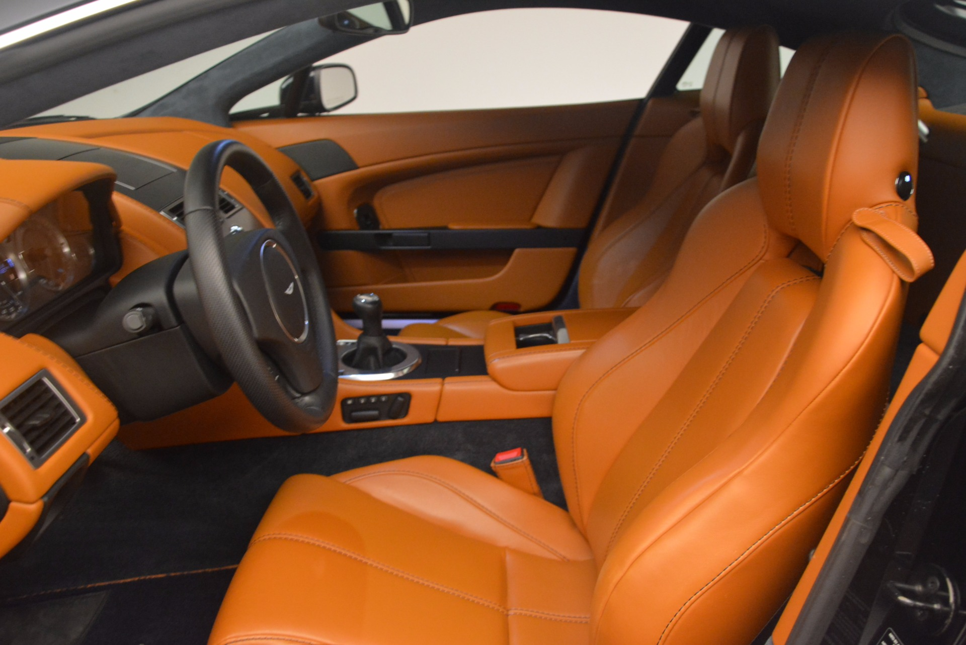 Used 2009 Aston Martin V8 Vantage  For Sale In Greenwich, CT 1183_p13