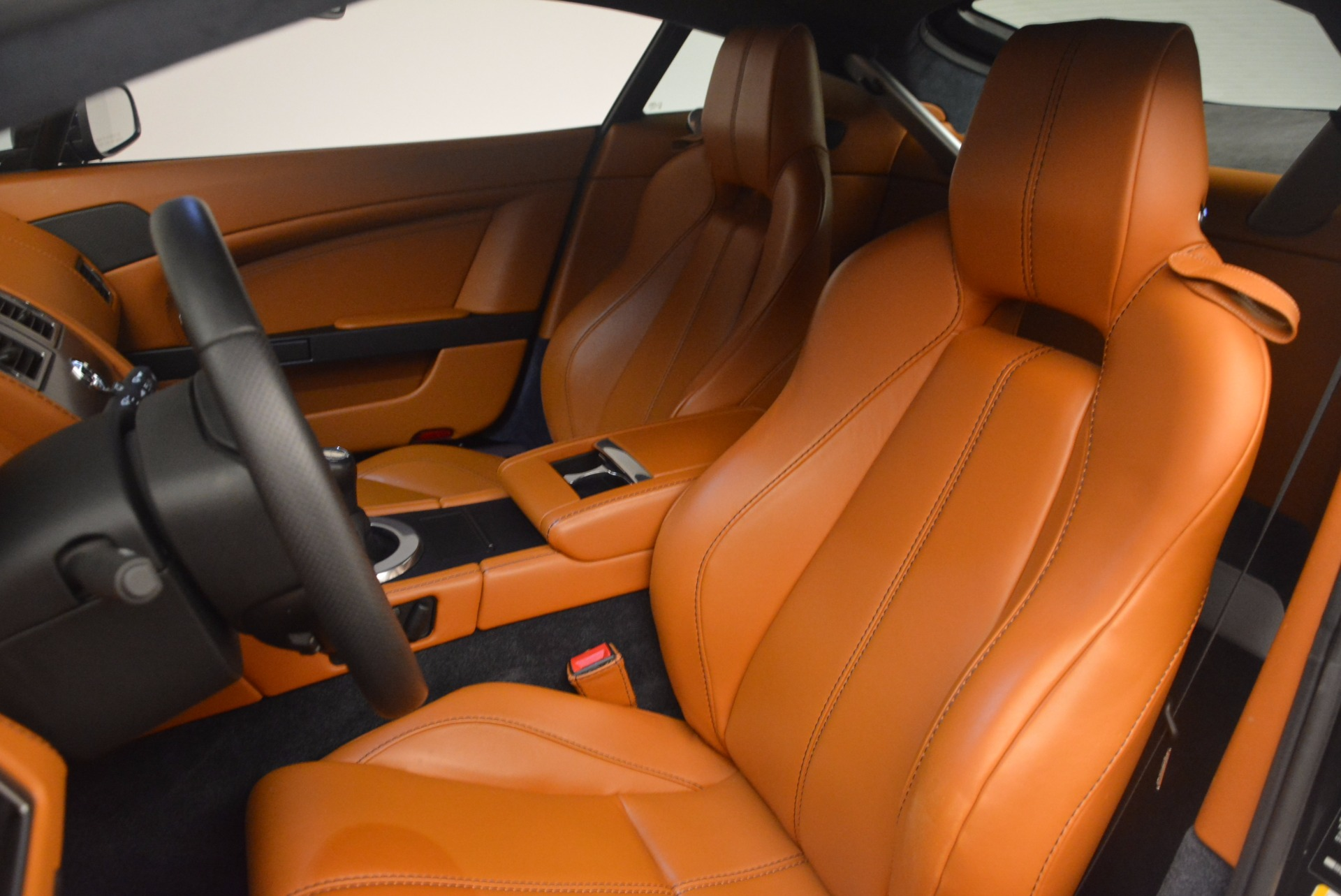 Used 2009 Aston Martin V8 Vantage  For Sale In Greenwich, CT 1183_p14