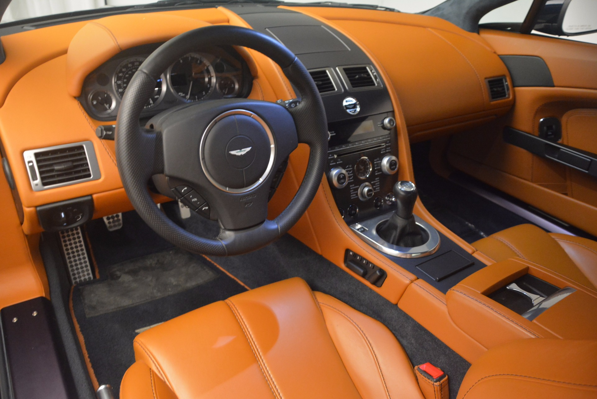 Used 2009 Aston Martin V8 Vantage  For Sale In Greenwich, CT 1183_p15