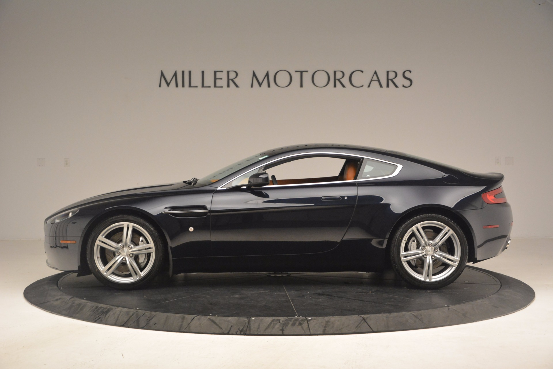 Used 2009 Aston Martin V8 Vantage  For Sale In Greenwich, CT 1183_p3