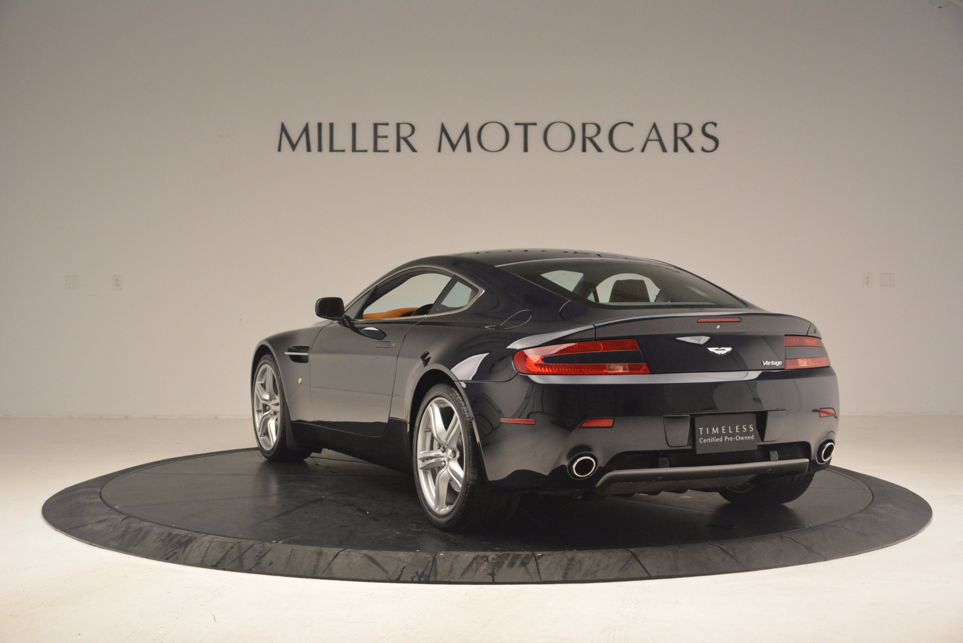 Used 2009 Aston Martin V8 Vantage  For Sale In Greenwich, CT 1183_p5