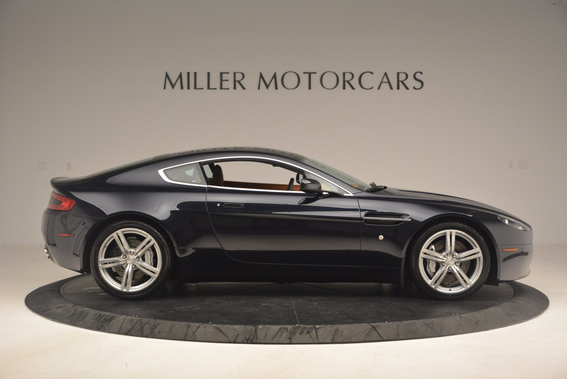 Used 2009 Aston Martin V8 Vantage  For Sale In Greenwich, CT 1183_p9