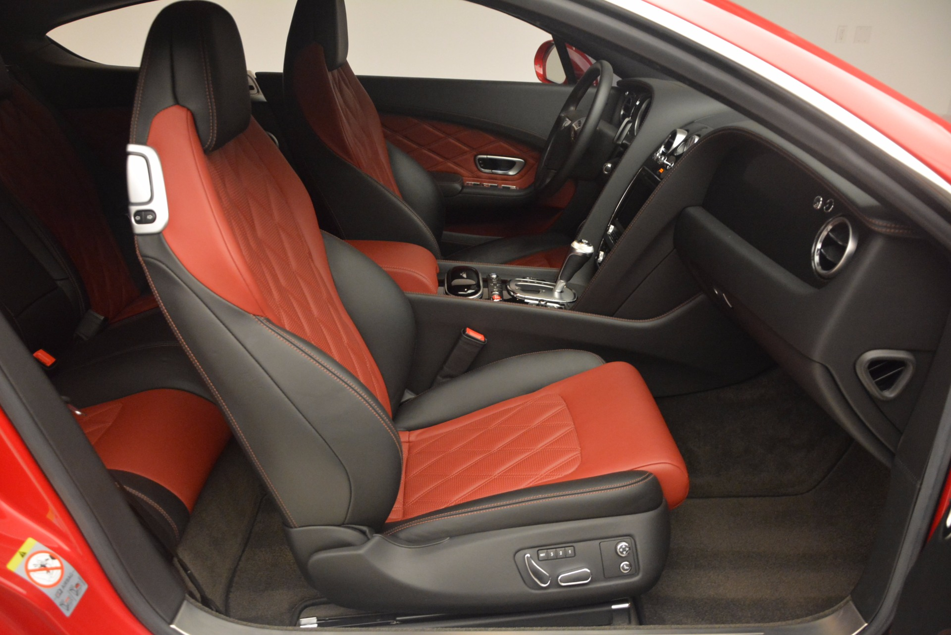 Used 2013 Bentley Continental GT V8 For Sale In Greenwich, CT 1185_p30