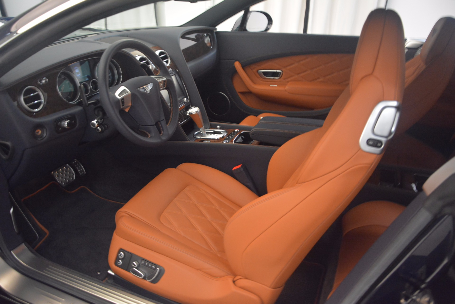 Used 2014 Bentley Continental GT V8 For Sale In Greenwich, CT 1187_p18