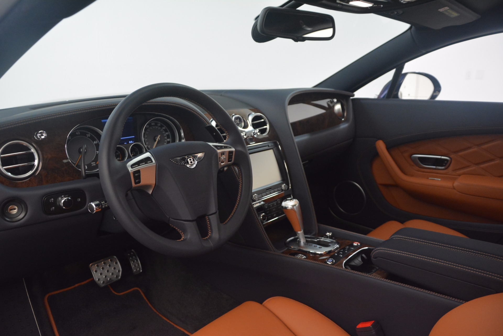 Used 2014 Bentley Continental GT V8 For Sale In Greenwich, CT 1187_p24