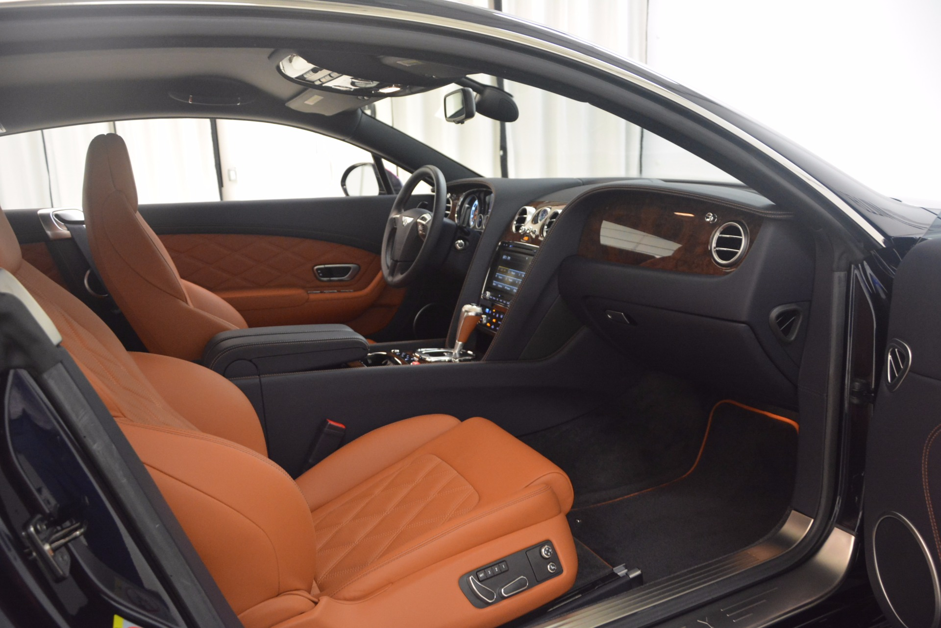 Used 2014 Bentley Continental GT V8 For Sale In Greenwich, CT 1187_p31