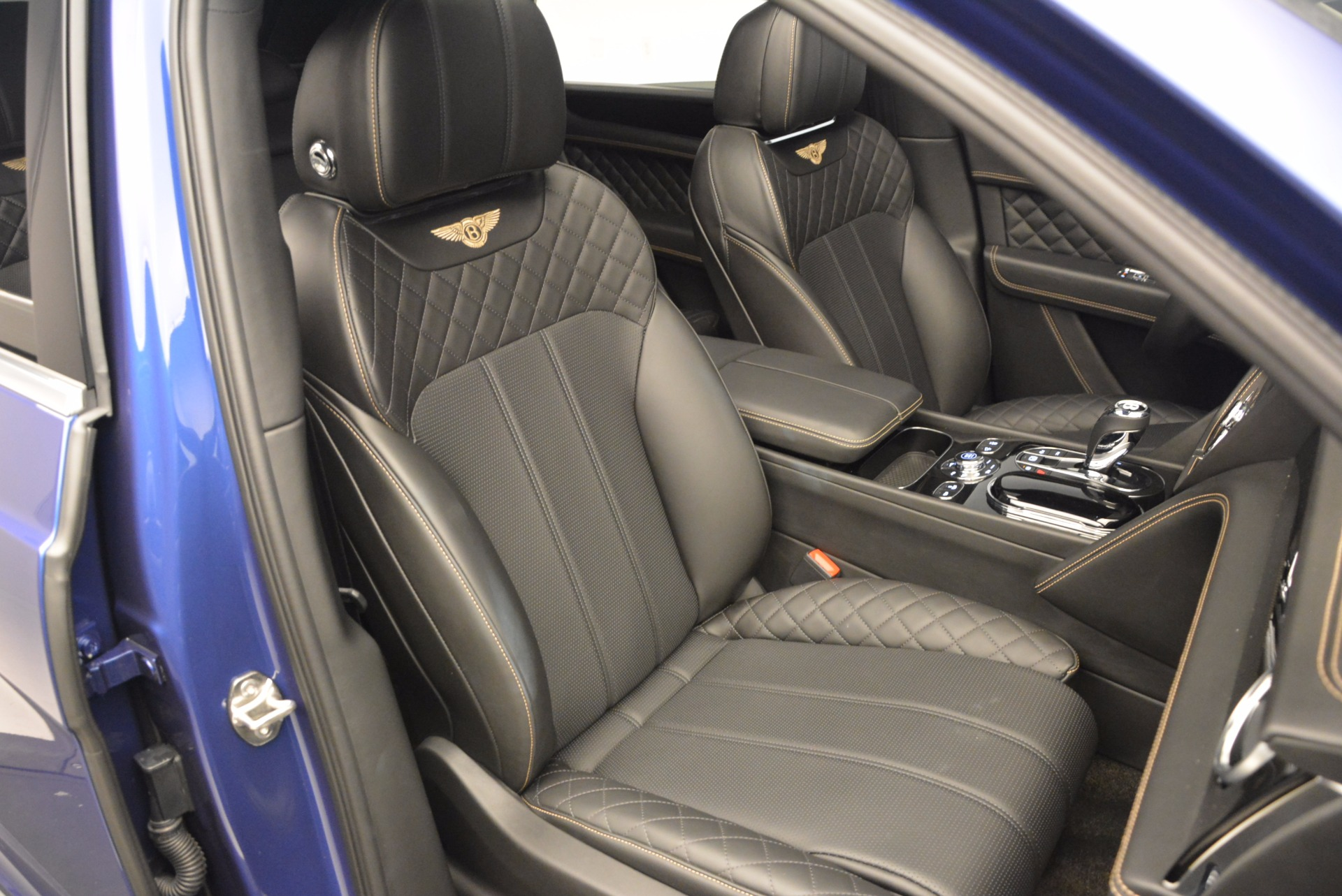 New 2017 Bentley Bentayga  For Sale In Greenwich, CT 1198_p40