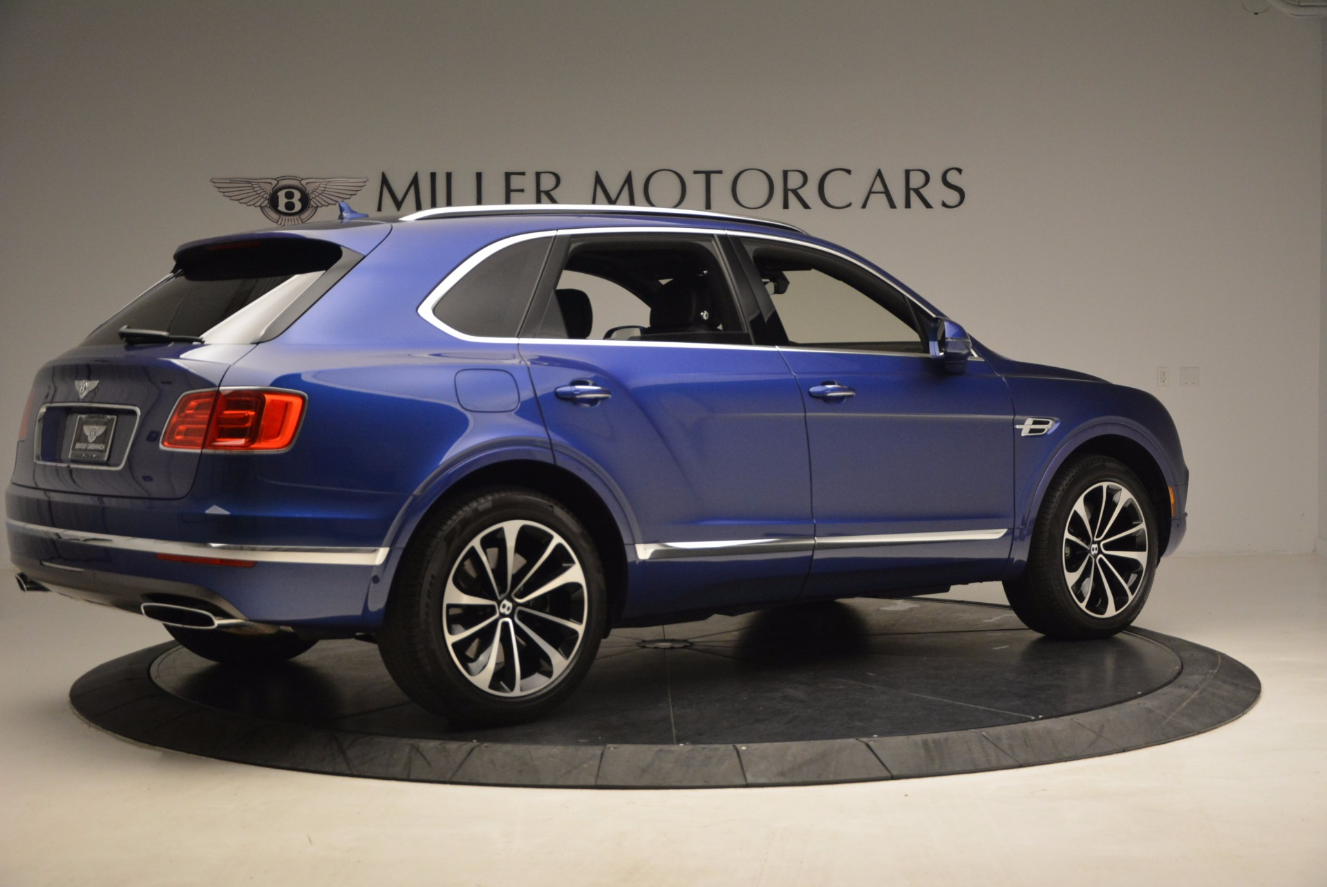 New 2017 Bentley Bentayga  For Sale In Greenwich, CT 1198_p8