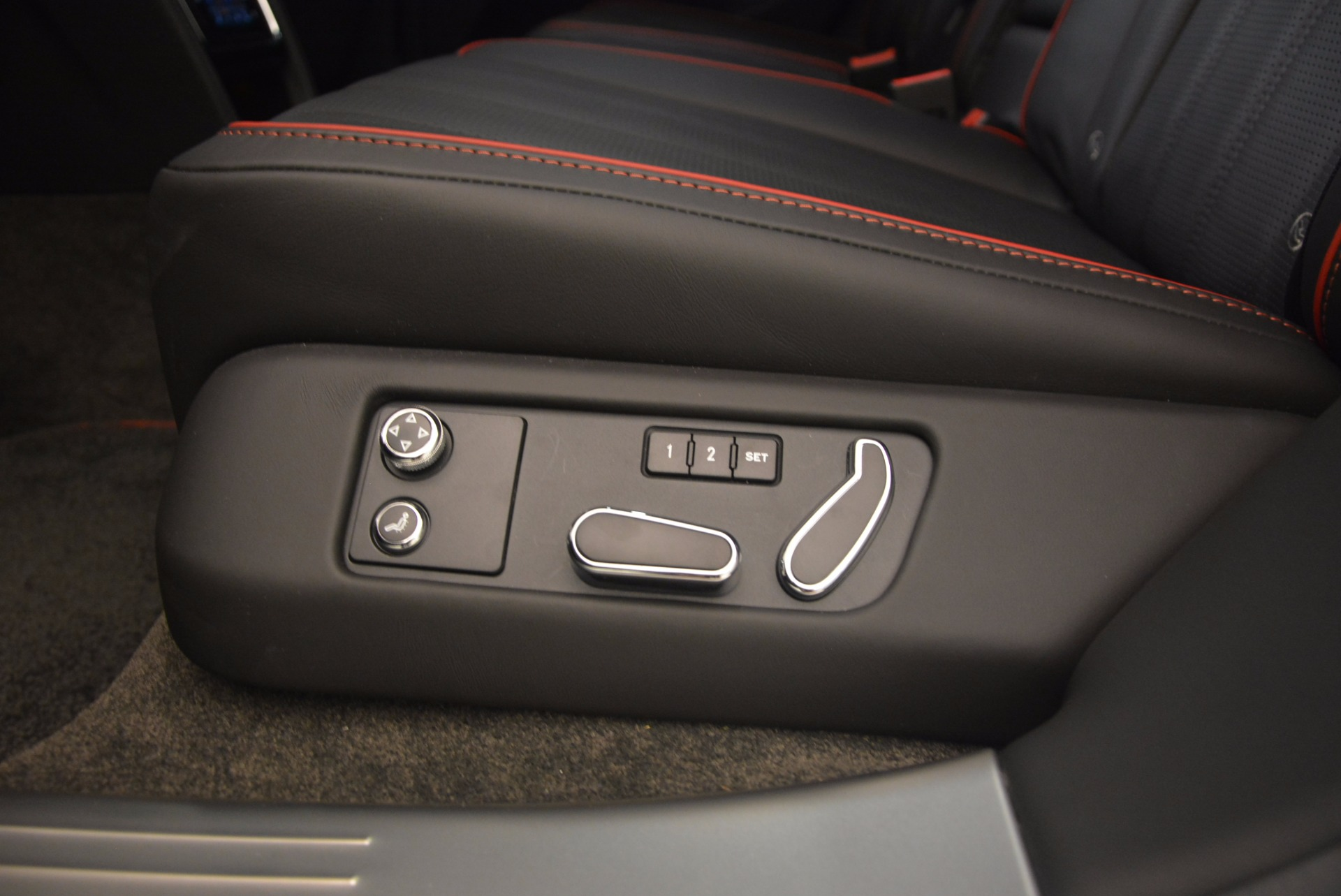 Used 2015 Bentley Flying Spur V8 For Sale In Greenwich, CT 1199_p39