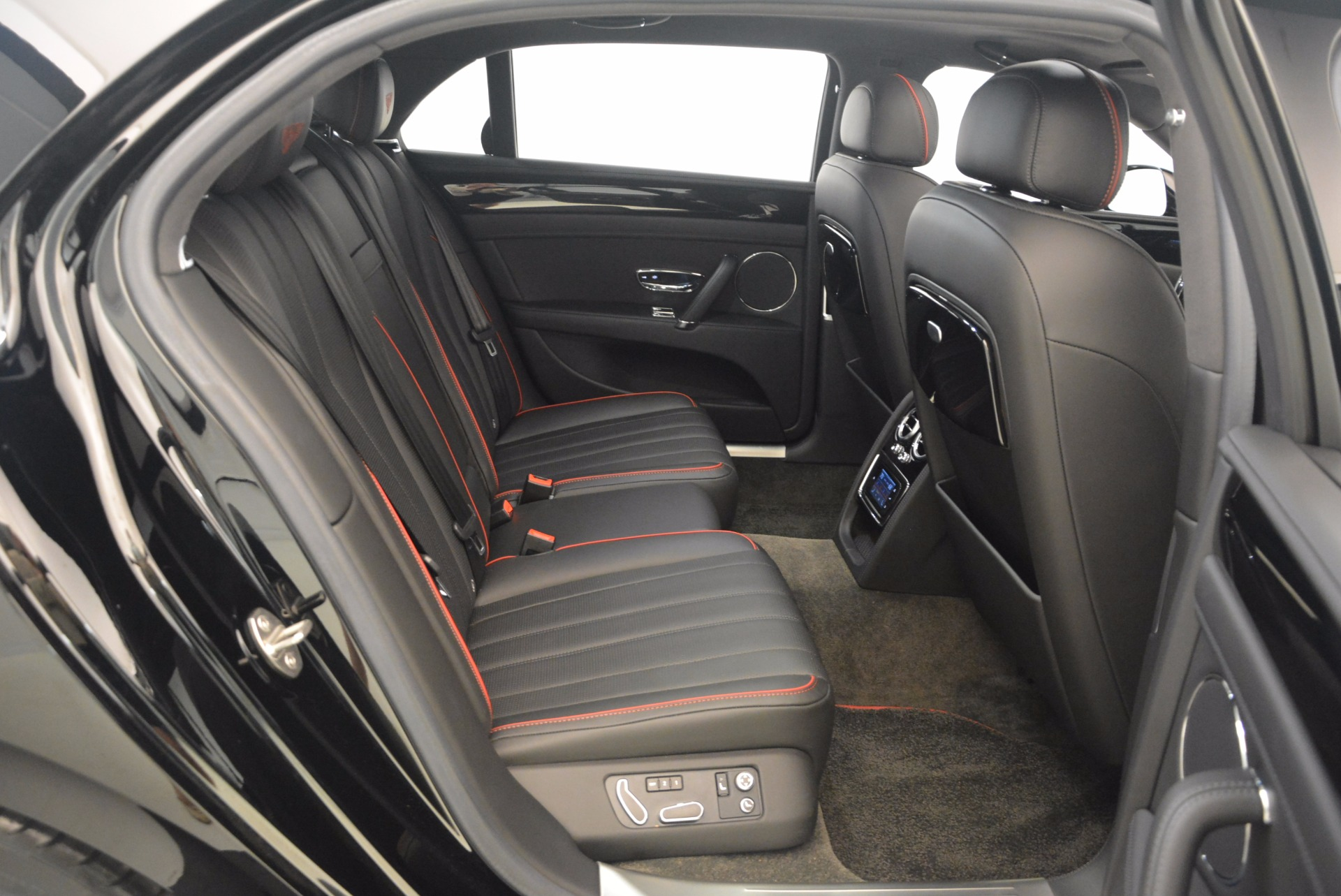 Used 2015 Bentley Flying Spur V8 For Sale In Greenwich, CT 1199_p45