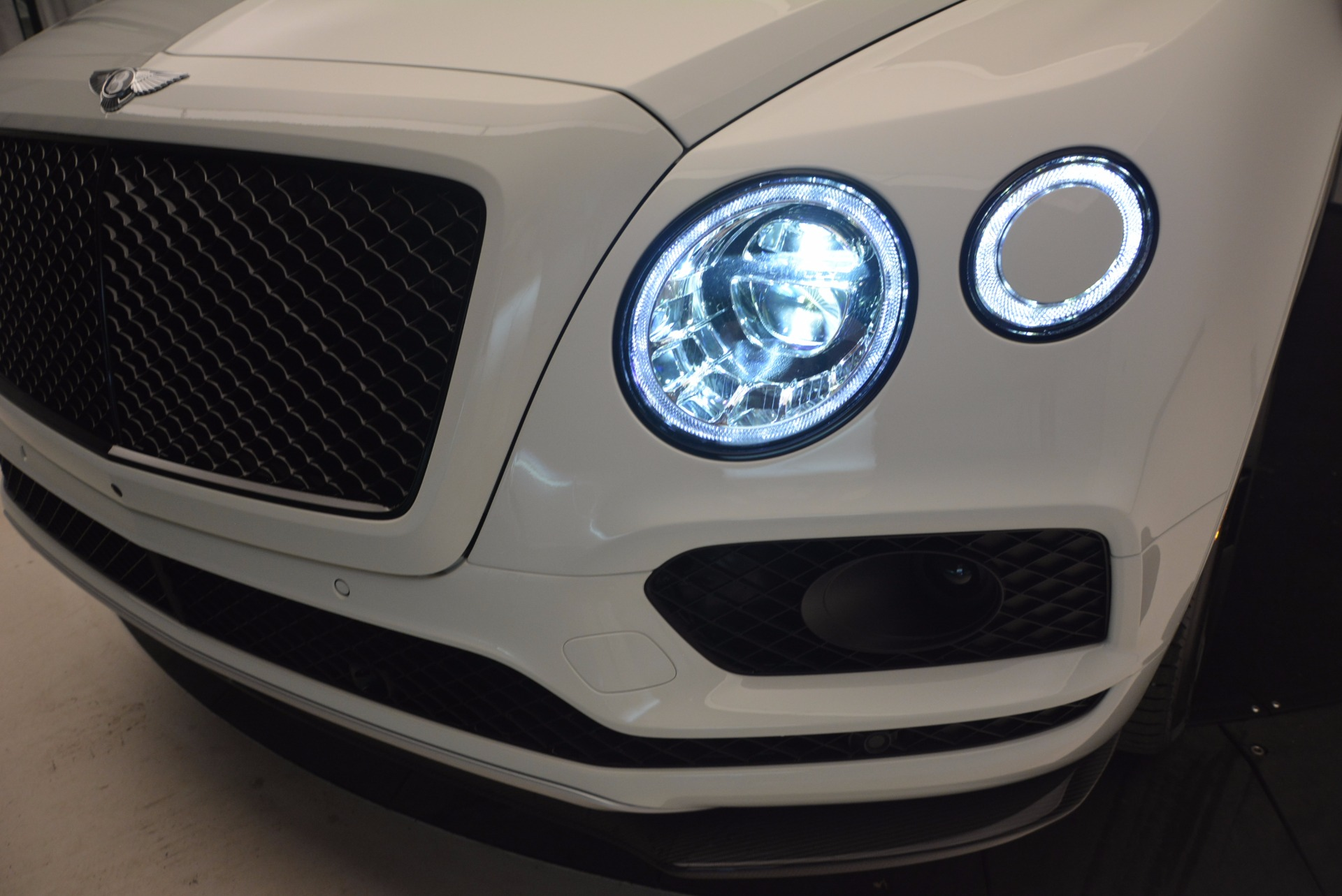 New 2018 Bentley Bentayga Black Edition For Sale In Greenwich, CT 1221_p16