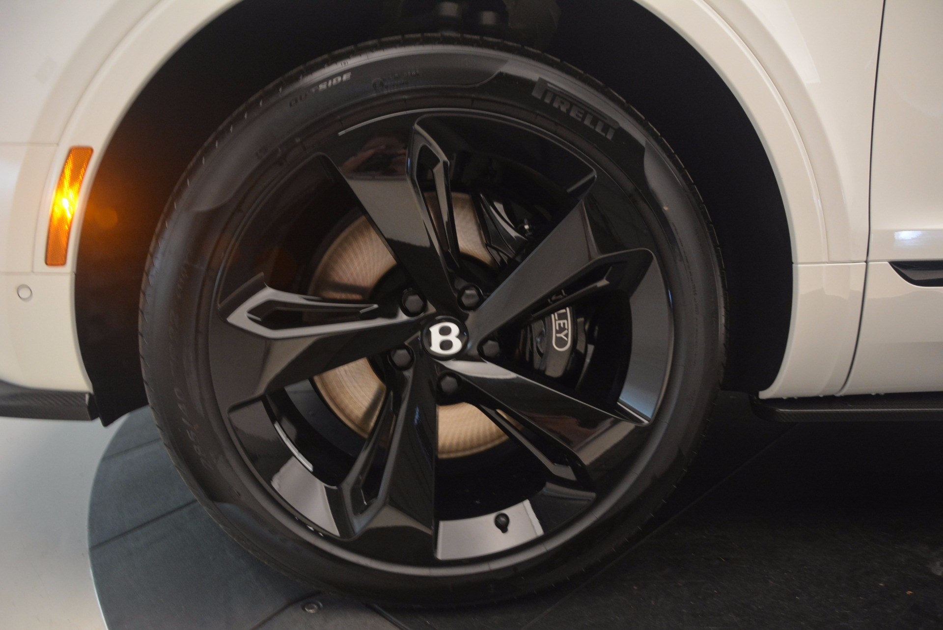 New 2018 Bentley Bentayga Black Edition For Sale In Greenwich, CT 1221_p25