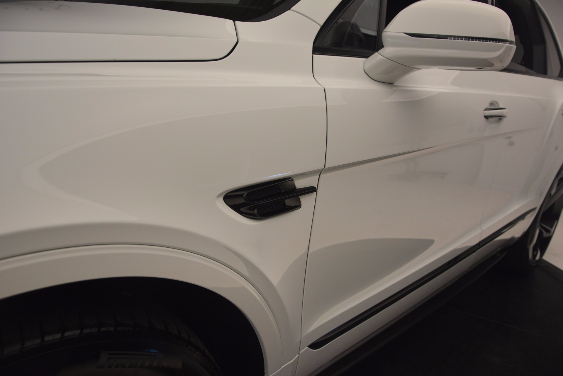 New 2018 Bentley Bentayga Black Edition For Sale In Greenwich, CT 1221_p26
