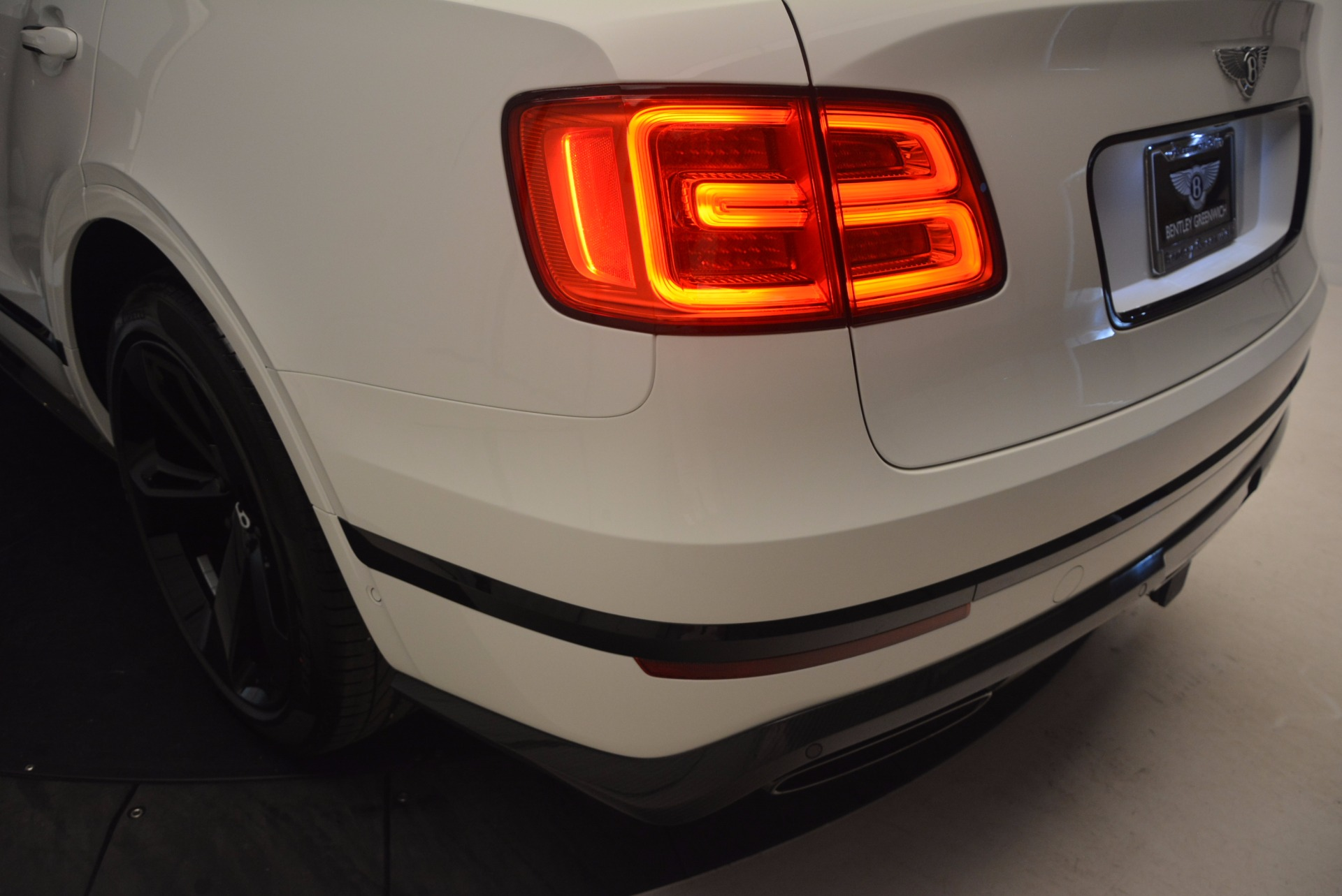 New 2018 Bentley Bentayga Black Edition For Sale In Greenwich, CT 1221_p52