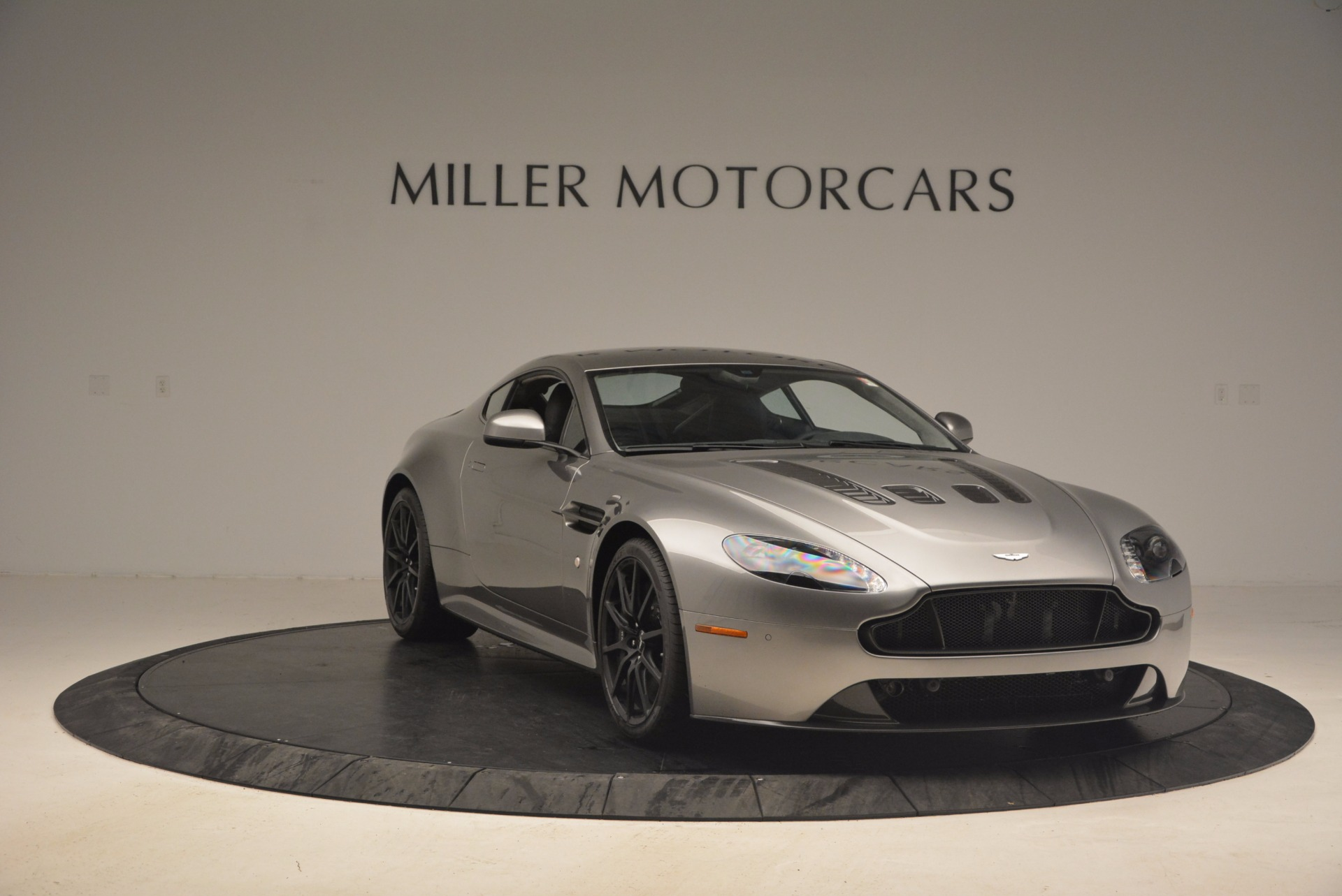 Used 2017 Aston Martin V12 Vantage S  For Sale In Greenwich, CT 1223_p11