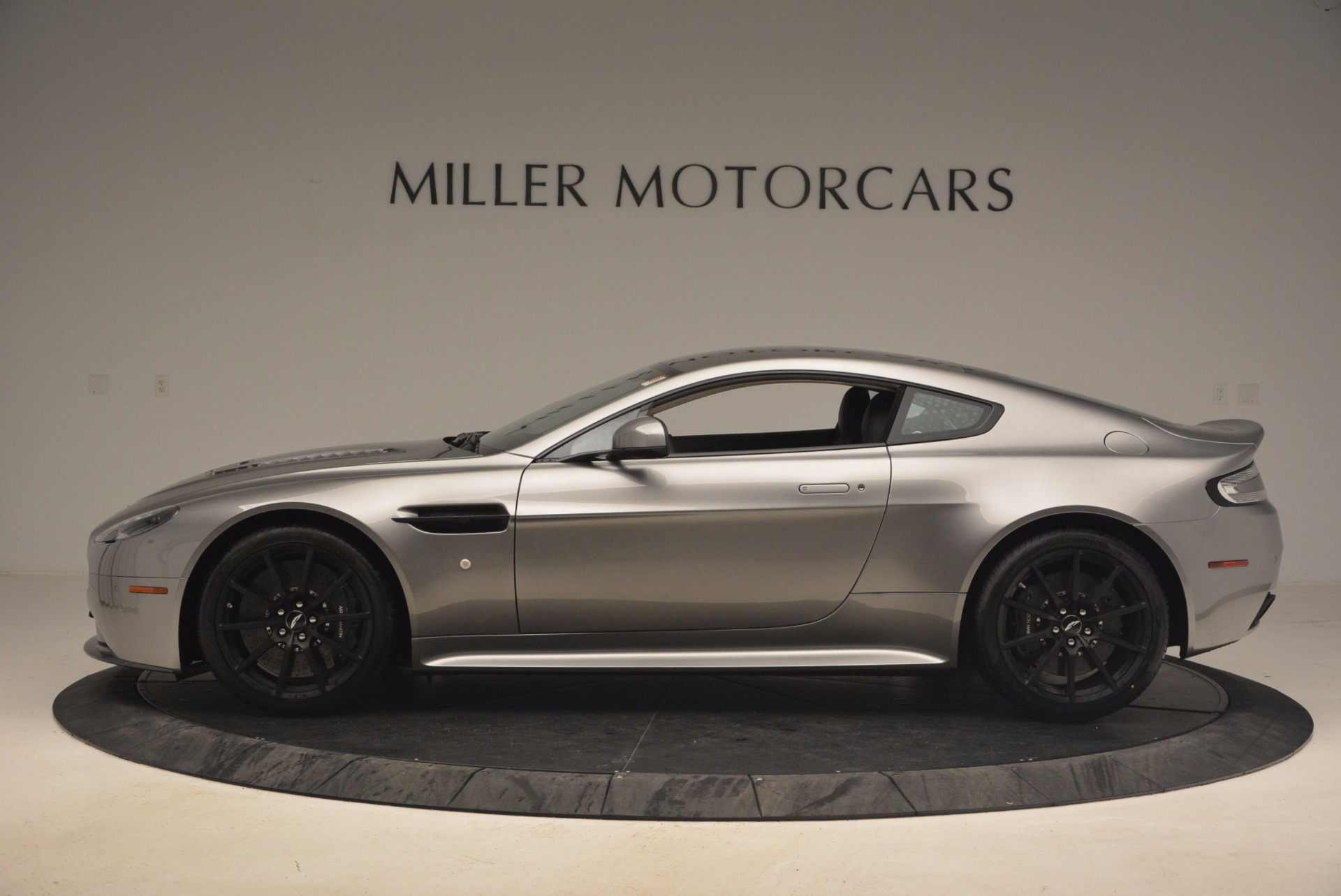 Used 2017 Aston Martin V12 Vantage S  For Sale In Greenwich, CT 1223_p3