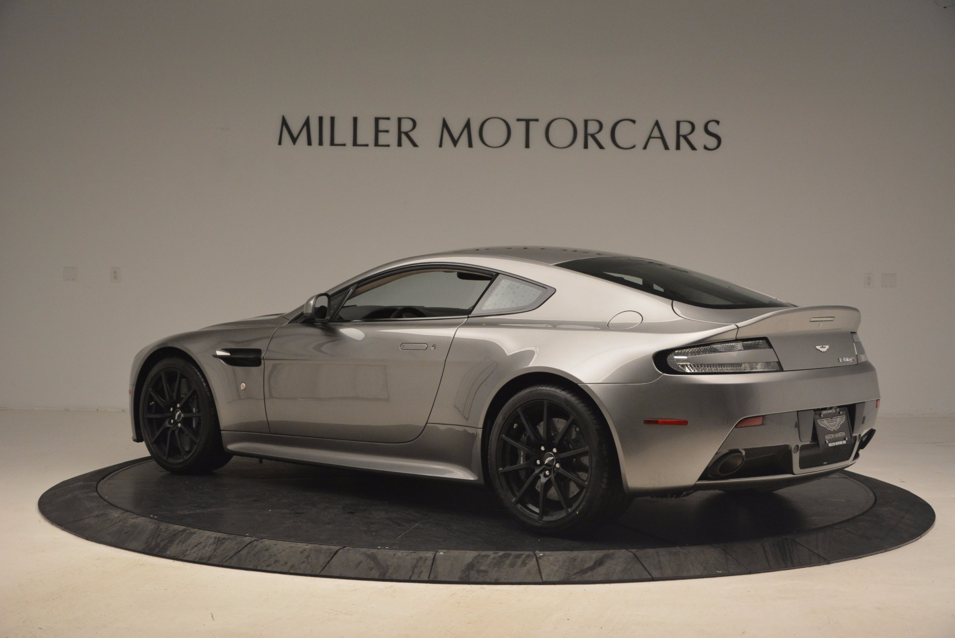 Used 2017 Aston Martin V12 Vantage S  For Sale In Greenwich, CT 1223_p4