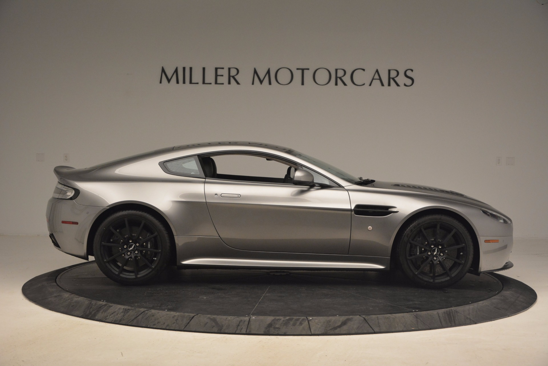 Used 2017 Aston Martin V12 Vantage S  For Sale In Greenwich, CT 1223_p9