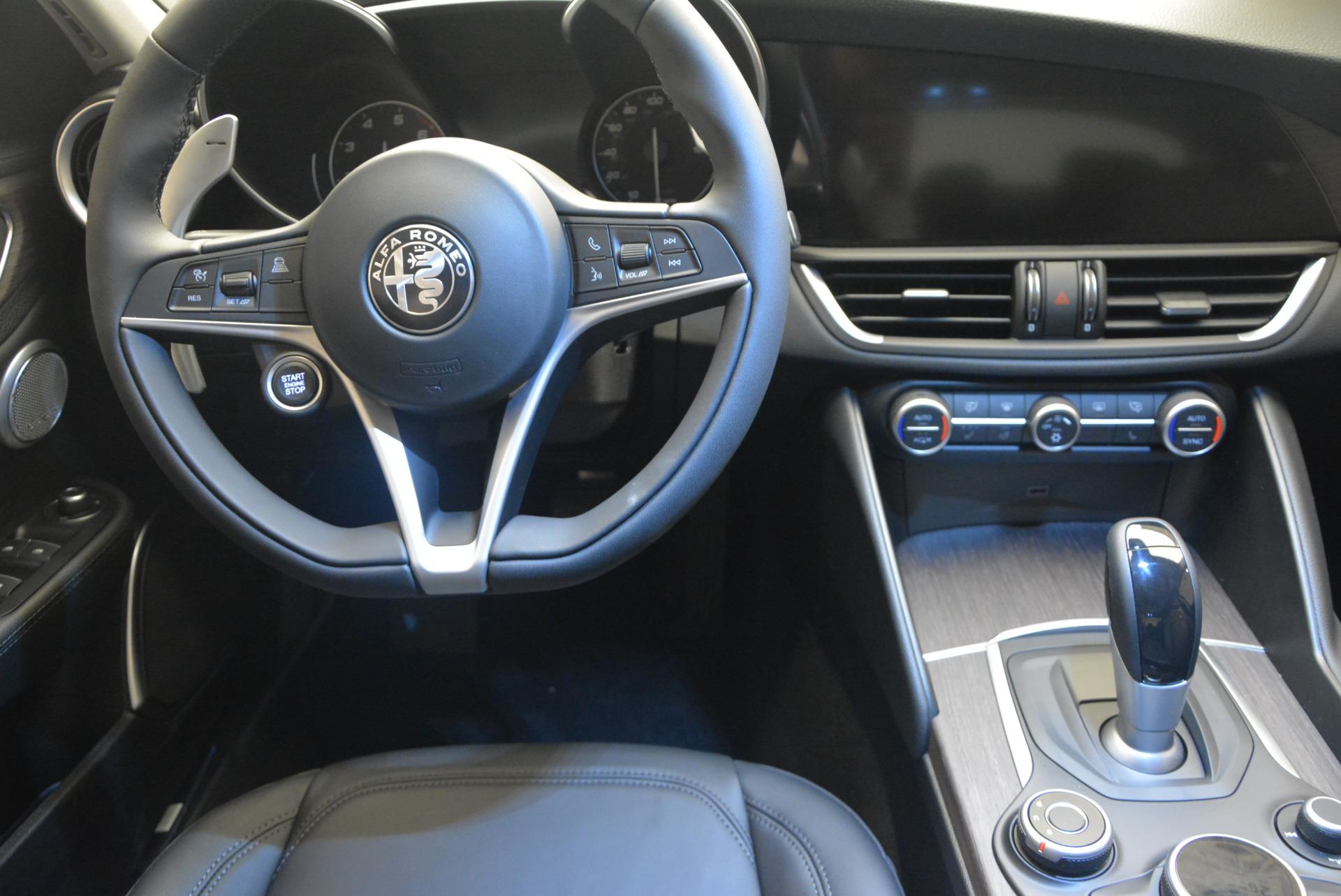New 2017 Alfa Romeo Giulia Ti Q4 For Sale In Greenwich, CT 1235_p20