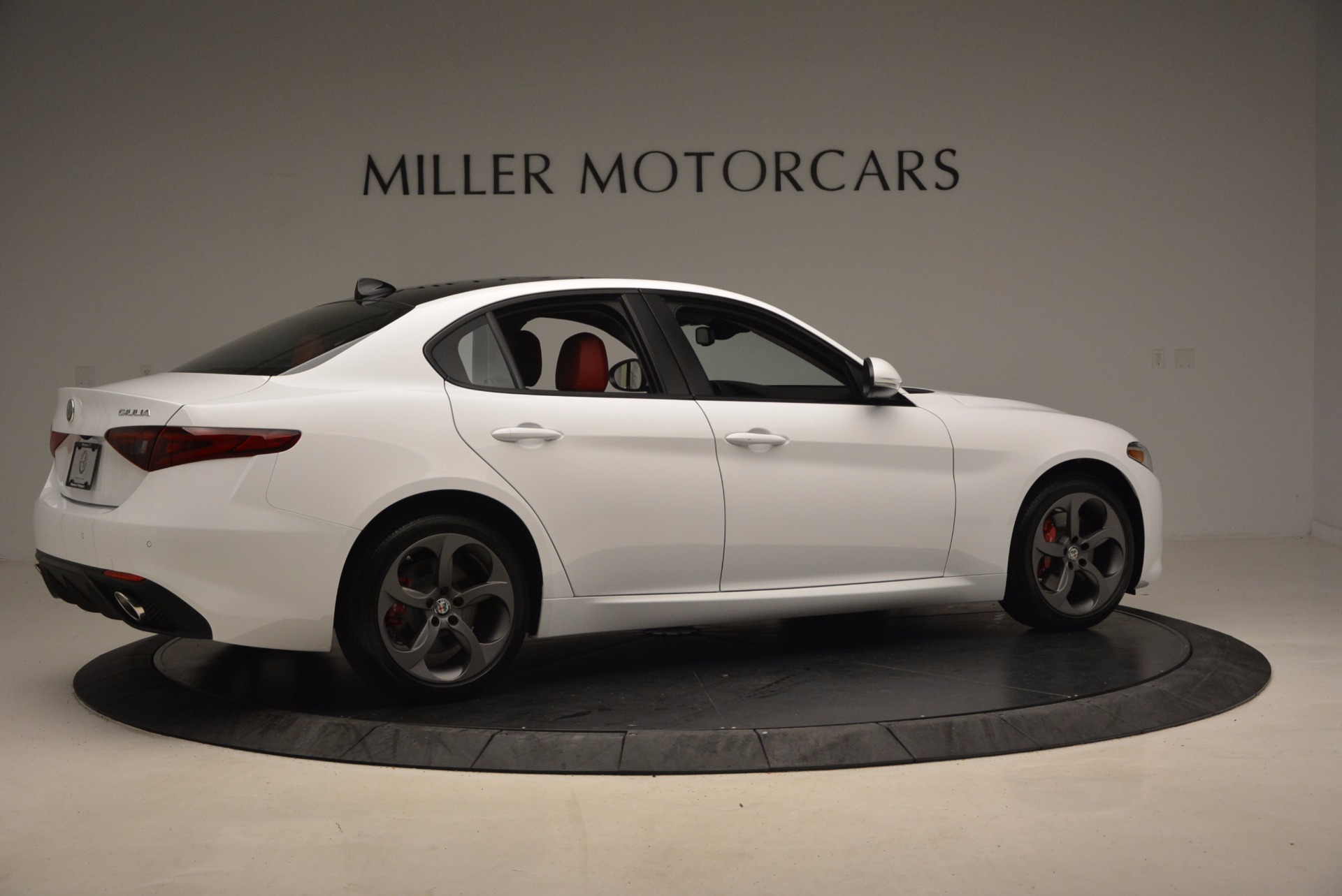New 2017 Alfa Romeo Giulia Q4 For Sale In Greenwich, CT 1242_p10