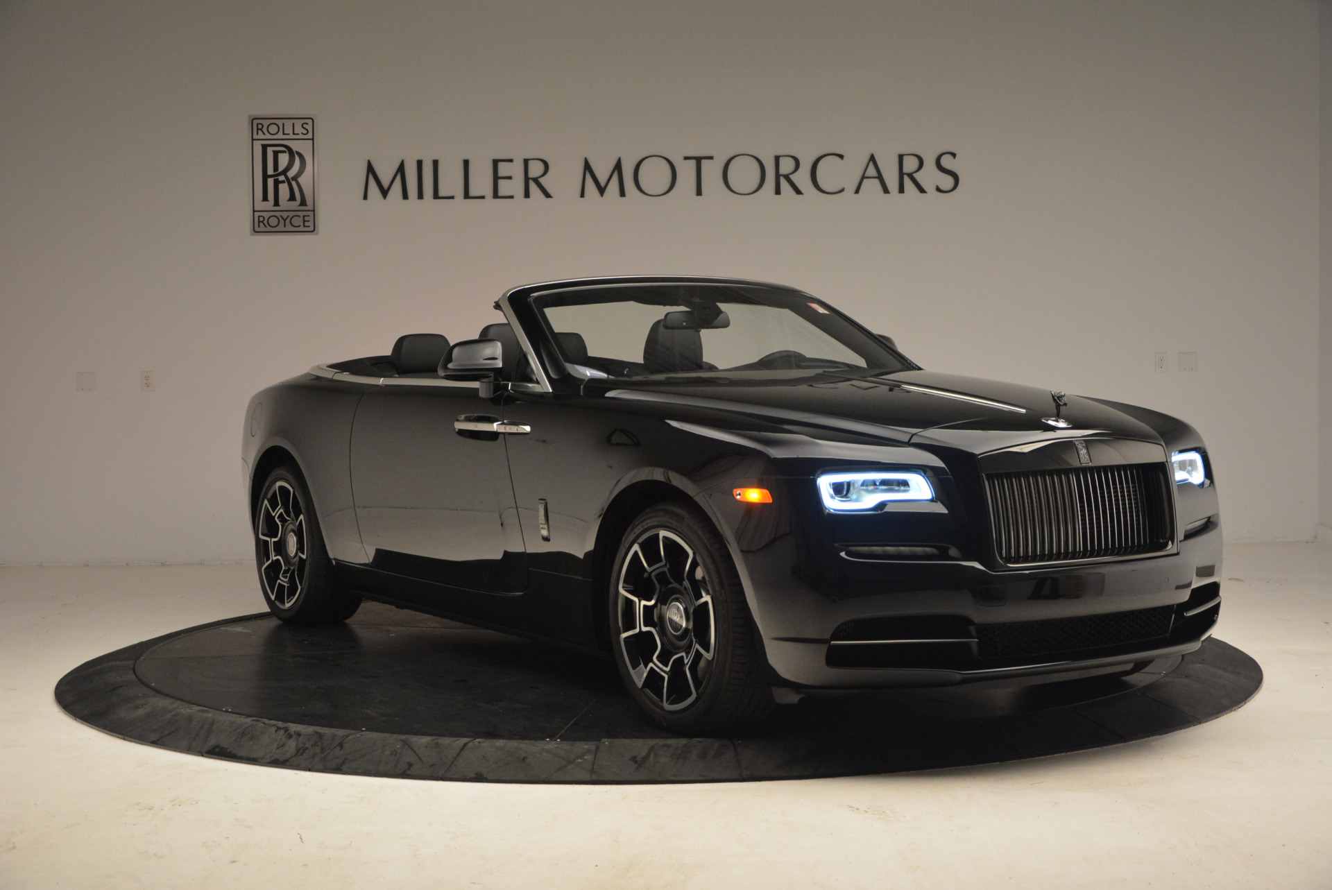 New 2018 Rolls-Royce Dawn Black Badge For Sale In Greenwich, CT 1249_p11