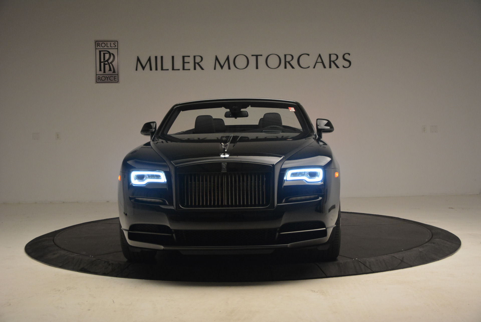 New 2018 Rolls-Royce Dawn Black Badge For Sale In Greenwich, CT 1249_p12