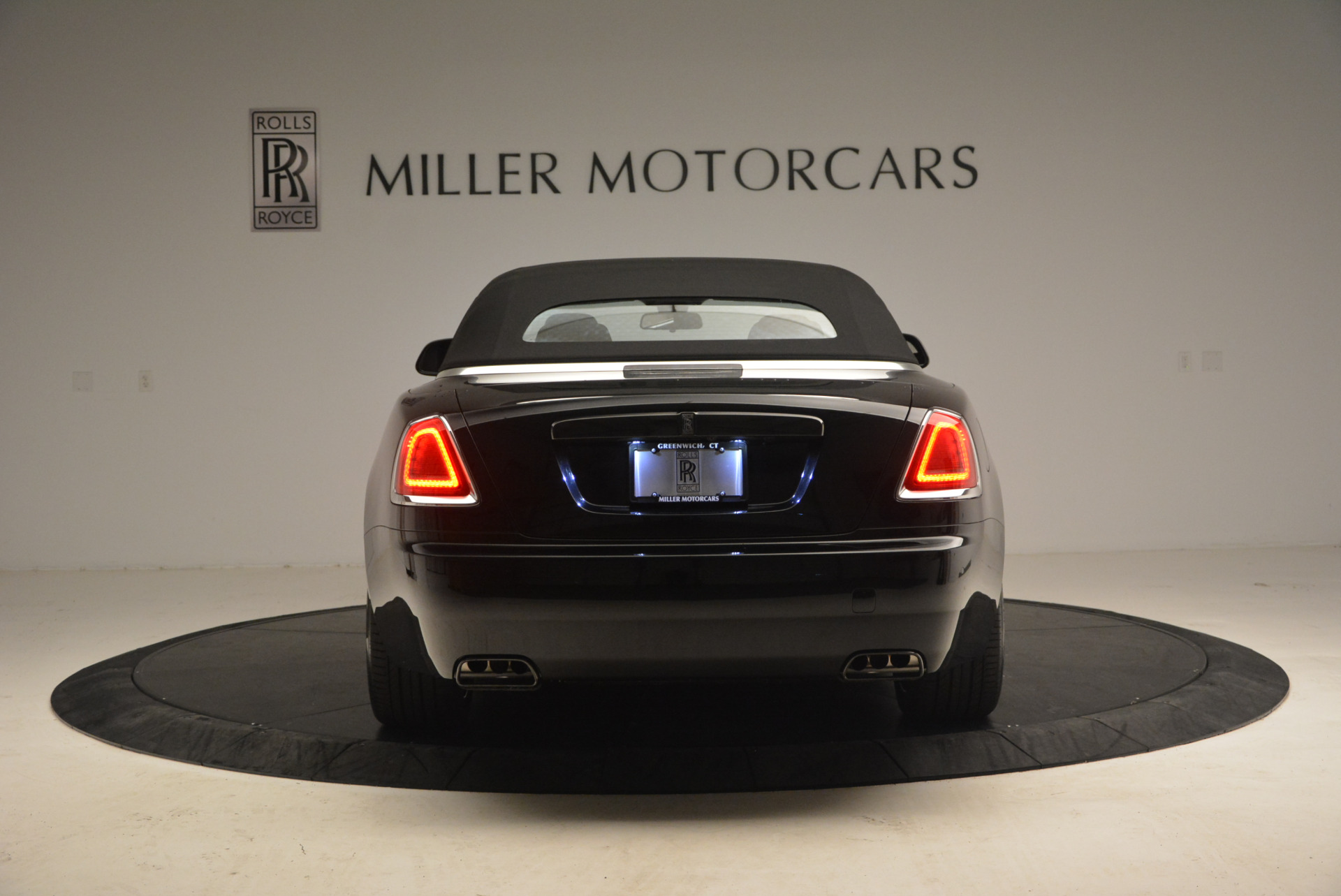 New 2018 Rolls-Royce Dawn Black Badge For Sale In Greenwich, CT 1249_p18