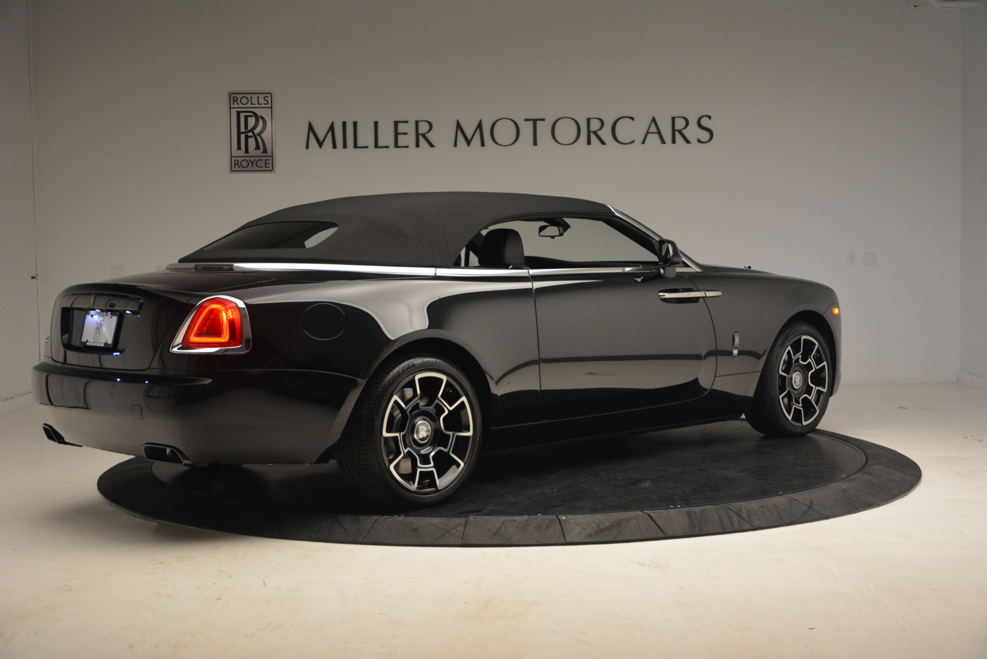 New 2018 Rolls-Royce Dawn Black Badge For Sale In Greenwich, CT 1249_p20